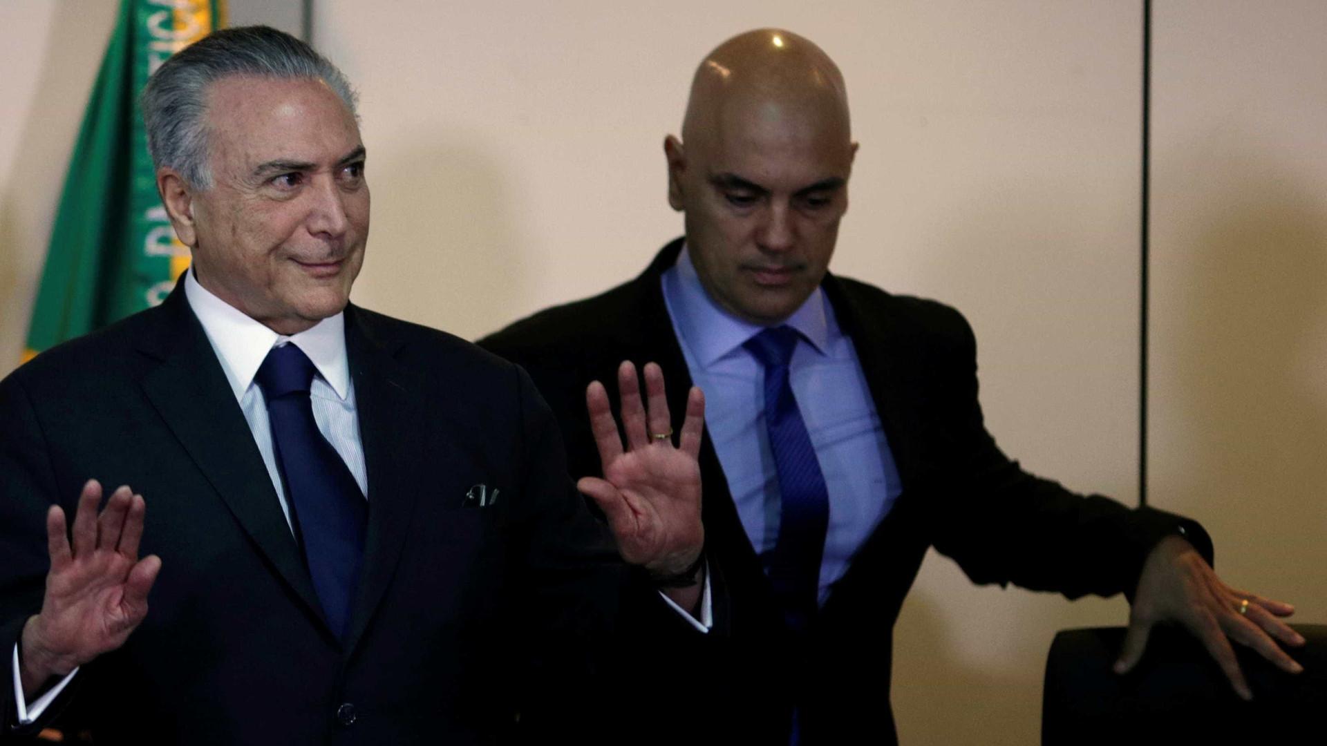 Após irritação de Renan, Temer discute  operação com Moraes