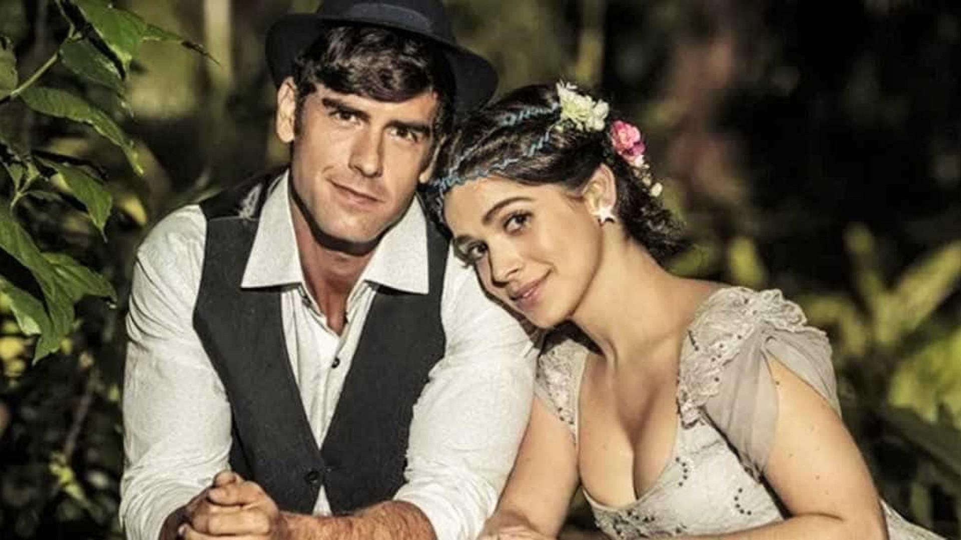 Shirlei e Felipe decidem se casar em jardim florido em 'Haja Coração'