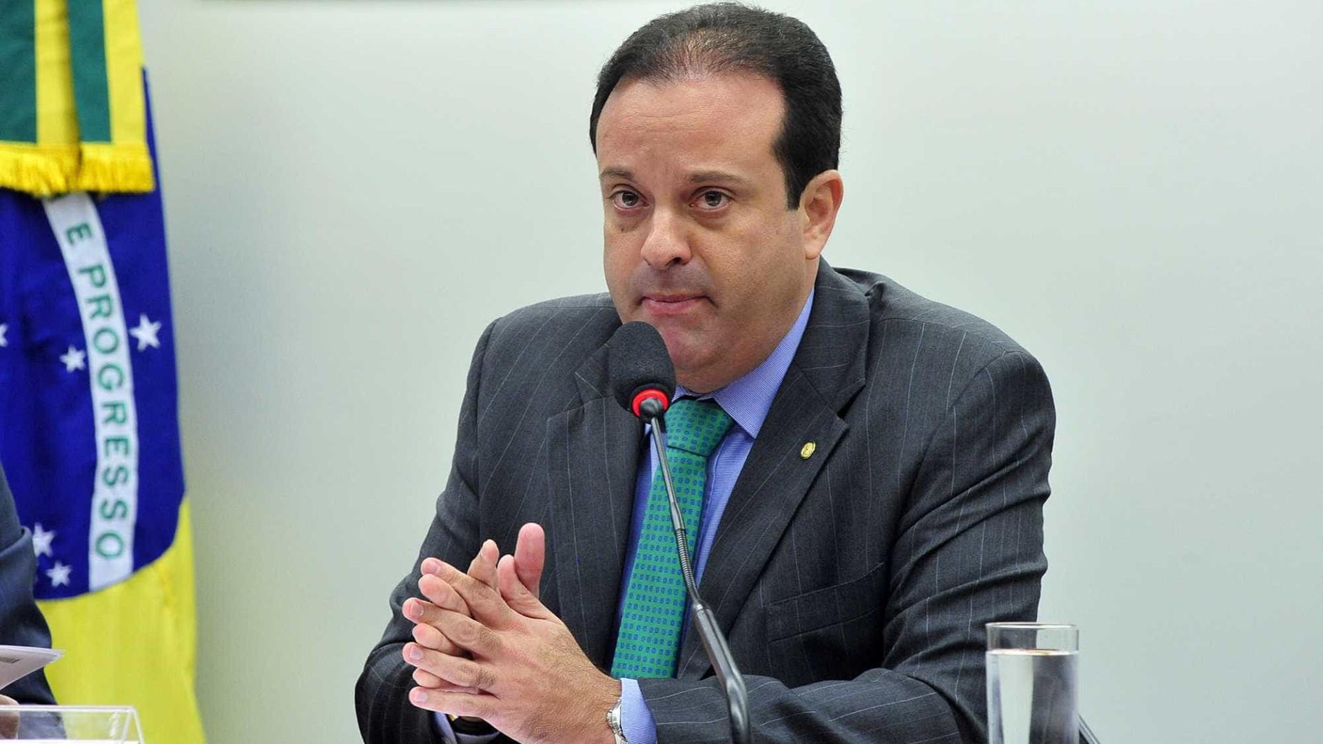 Líder do governo na Câmara é suspeito  de desviar cota parlamentar