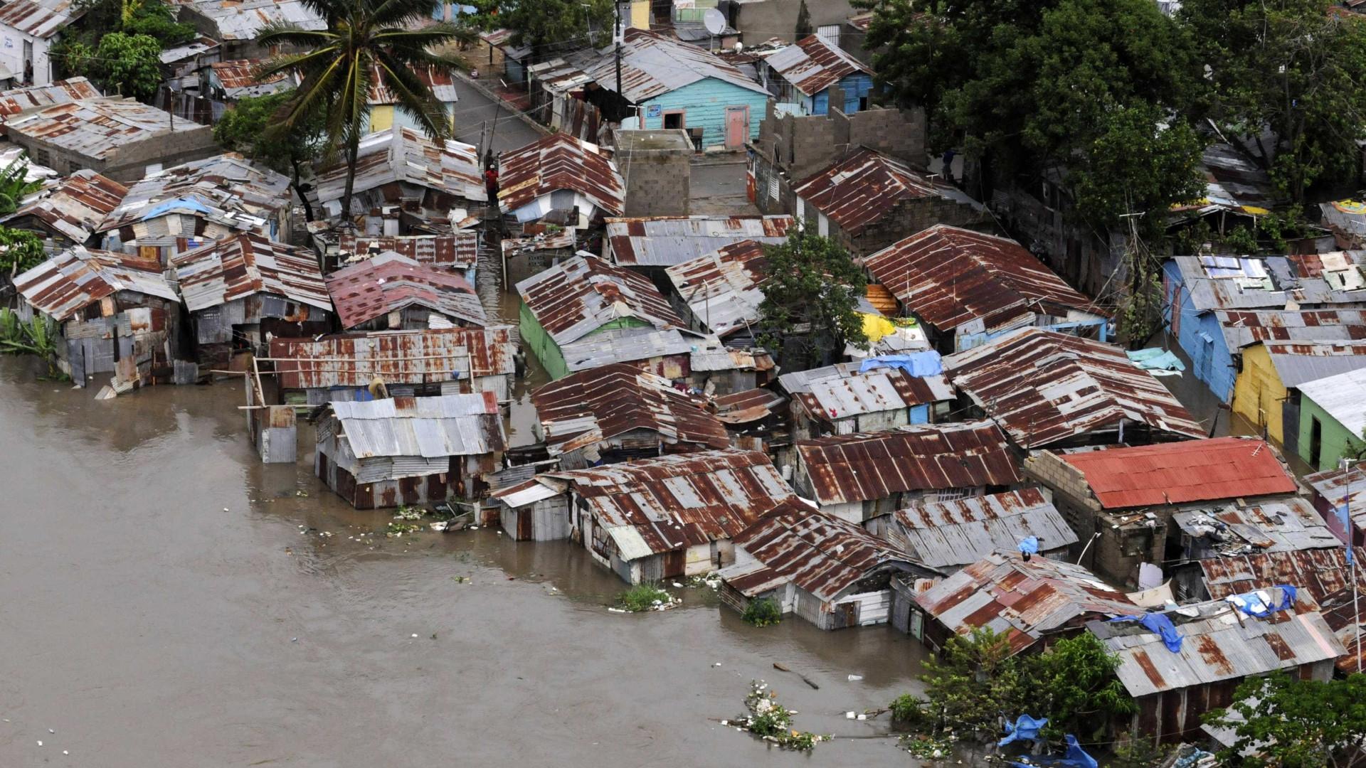 Dilúvio na República Dominicana:  42 mil são evacuados