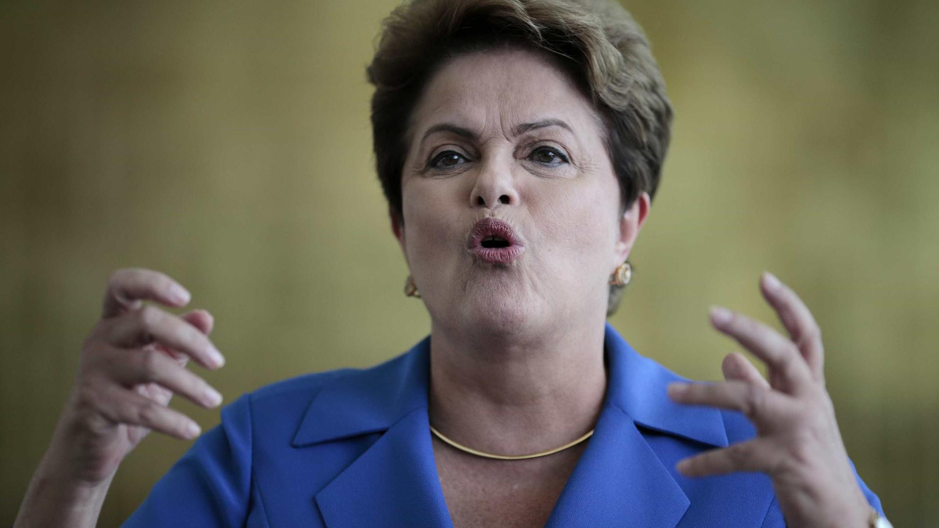 Dilma rebate acusação de  favorecimento em aposentadoria