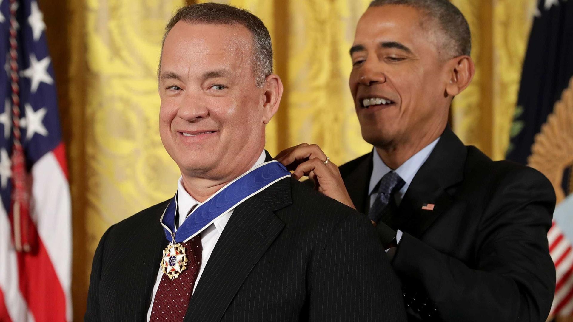 Obama entrega 'Medalha da Liberdade' para Tom Hanks, De Niro e mais