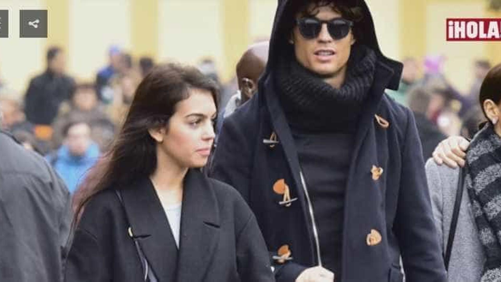 CR7 é flagrado disfarçado em encontro romântico na Disney de Paris
