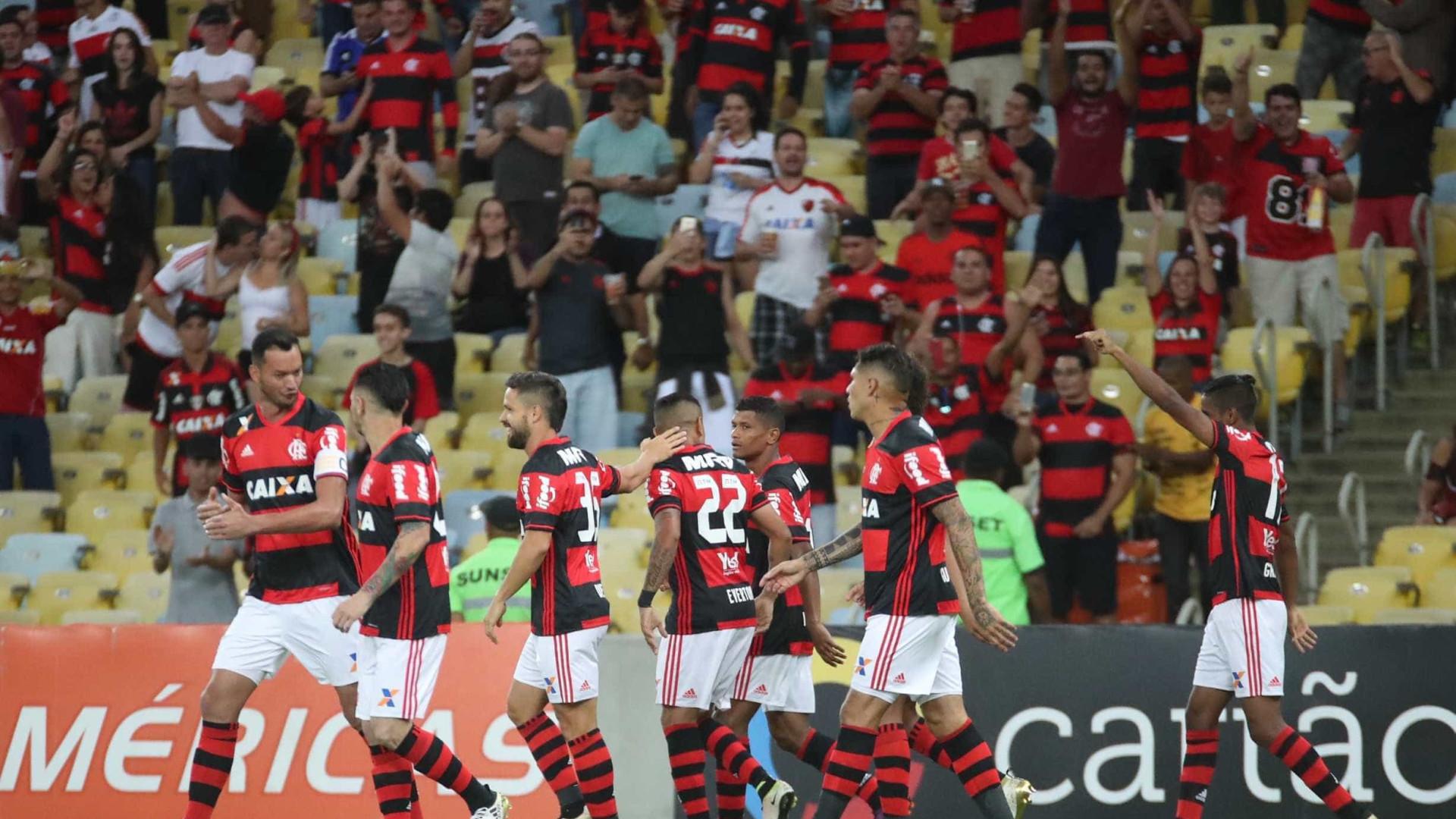 Flamengo empata com Coritiba e dá adeus ao título