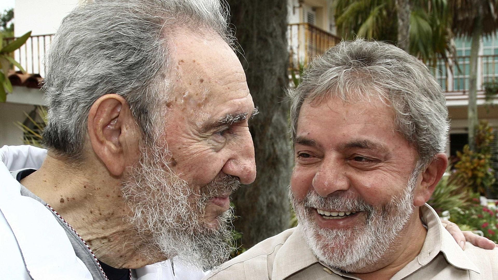 """""""Sinto sua morte como a perda de um irmão"""", diz Lula sobre Fidel"""