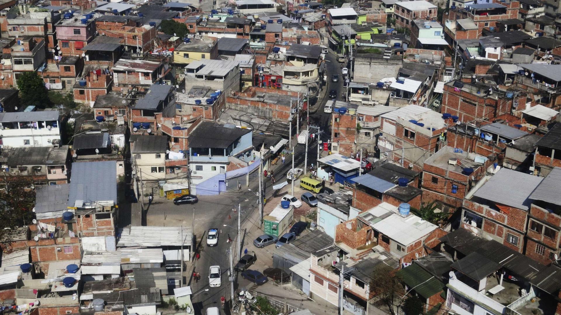 Venda de cocaína em favela carioca rende R$ 1 mi por semana ao CV