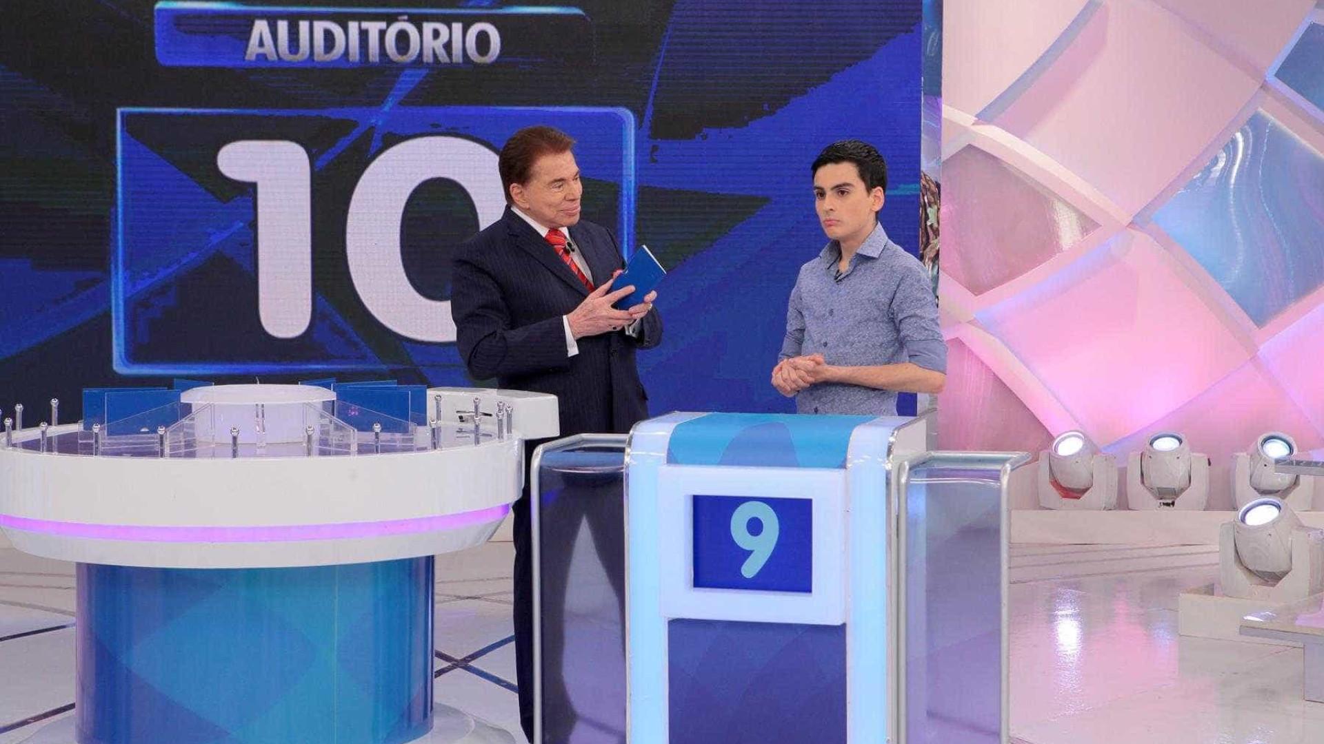 """Silvio humilha Dudu Camargo: """"Seu pai já te  assistiu e não se matou?"""""""
