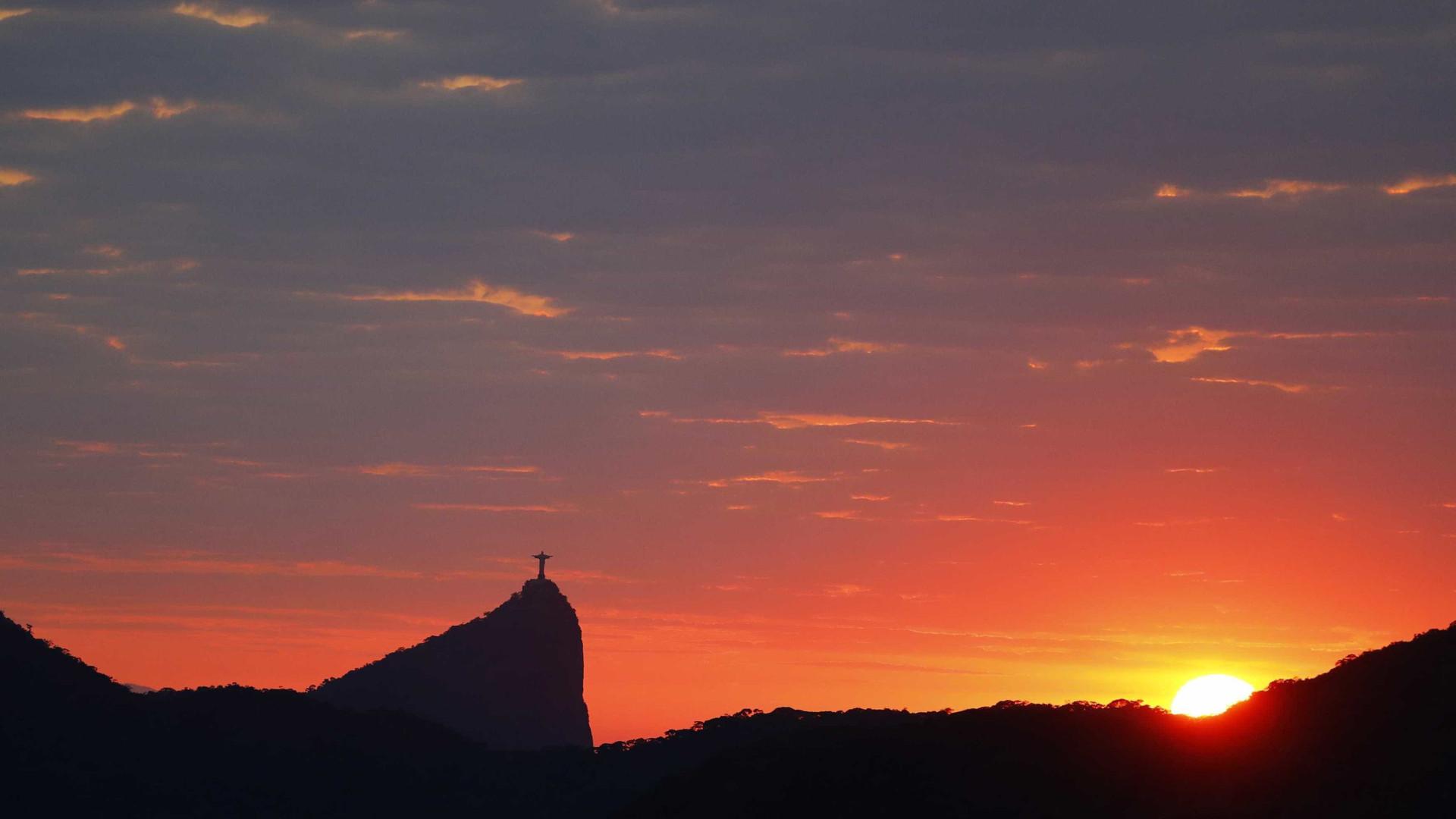 Vítimas do voo da Chape terão rostos projetados no Cristo, no Rio