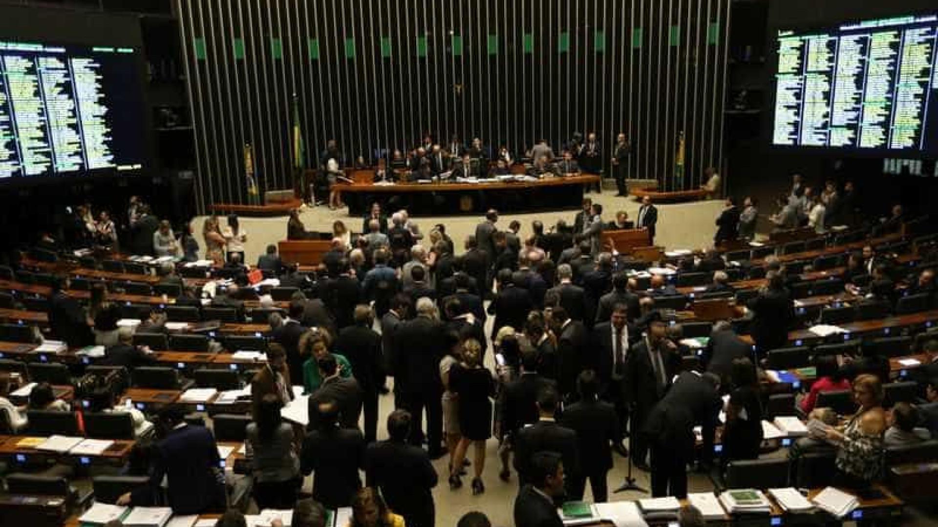 Câmara aprova PEC dos precatórios em 1º turno