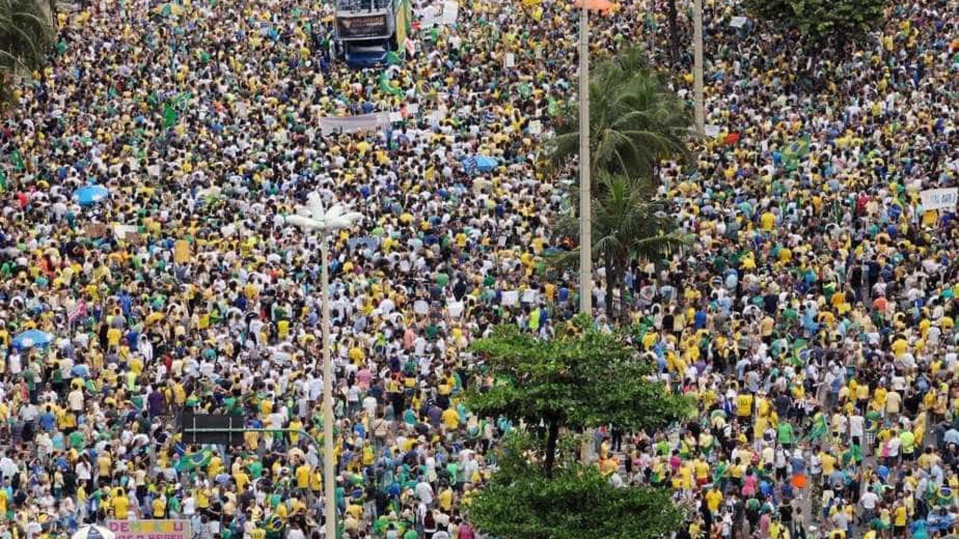 Manifestações levam 487 mil às ruas em todo o Brasil