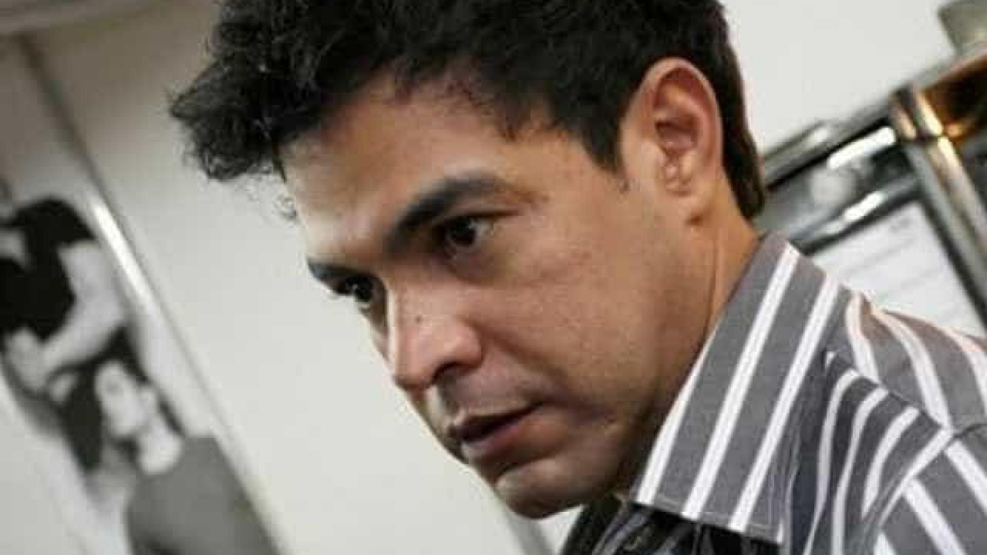 """Zezé ofende seguidores em novo barraco: """"Lixo"""", """"Idiota"""" e """"Feia"""""""