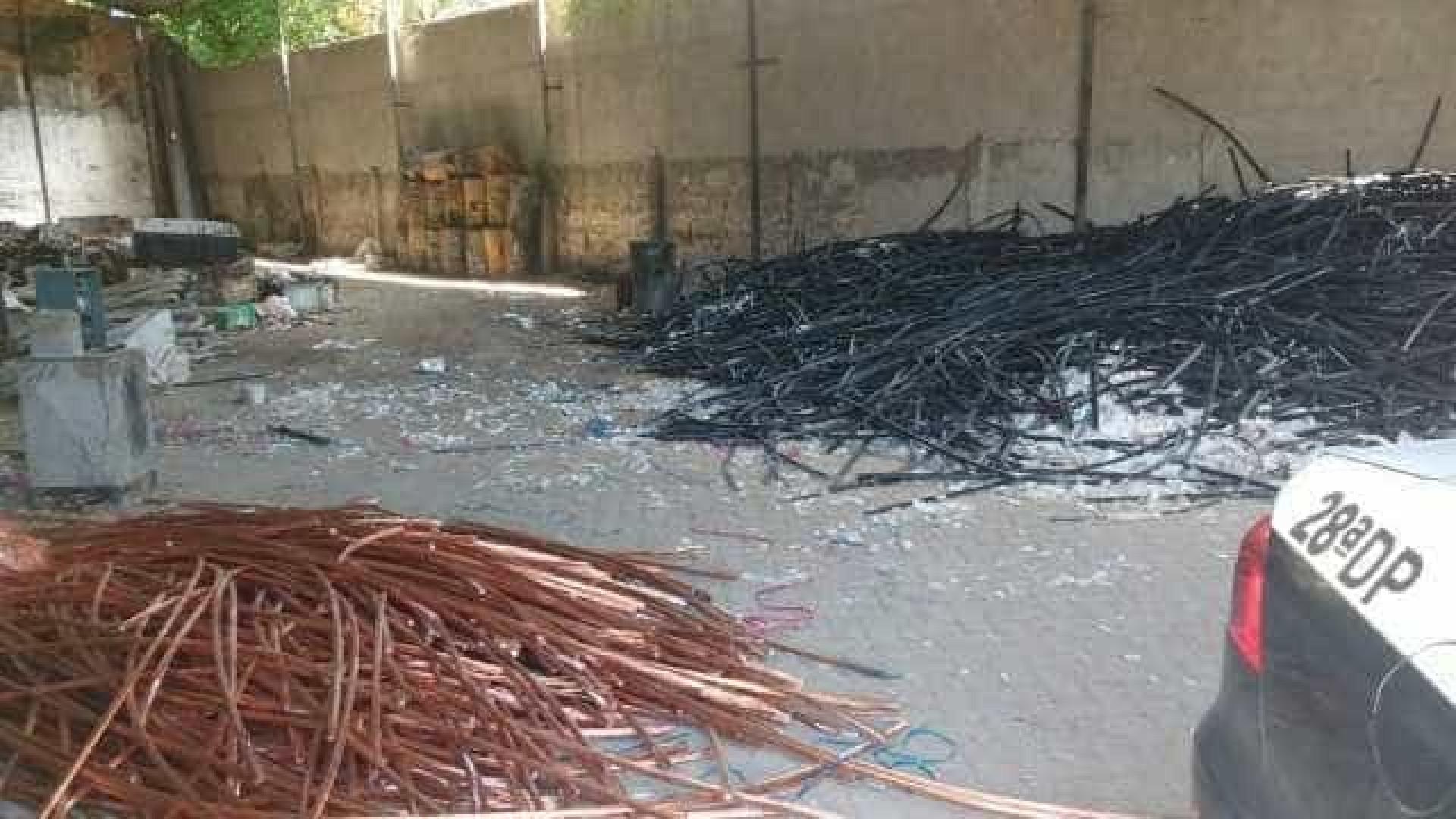 Polícia encontra rolos de fio cobre avaliados em quase R$ 1 milhão