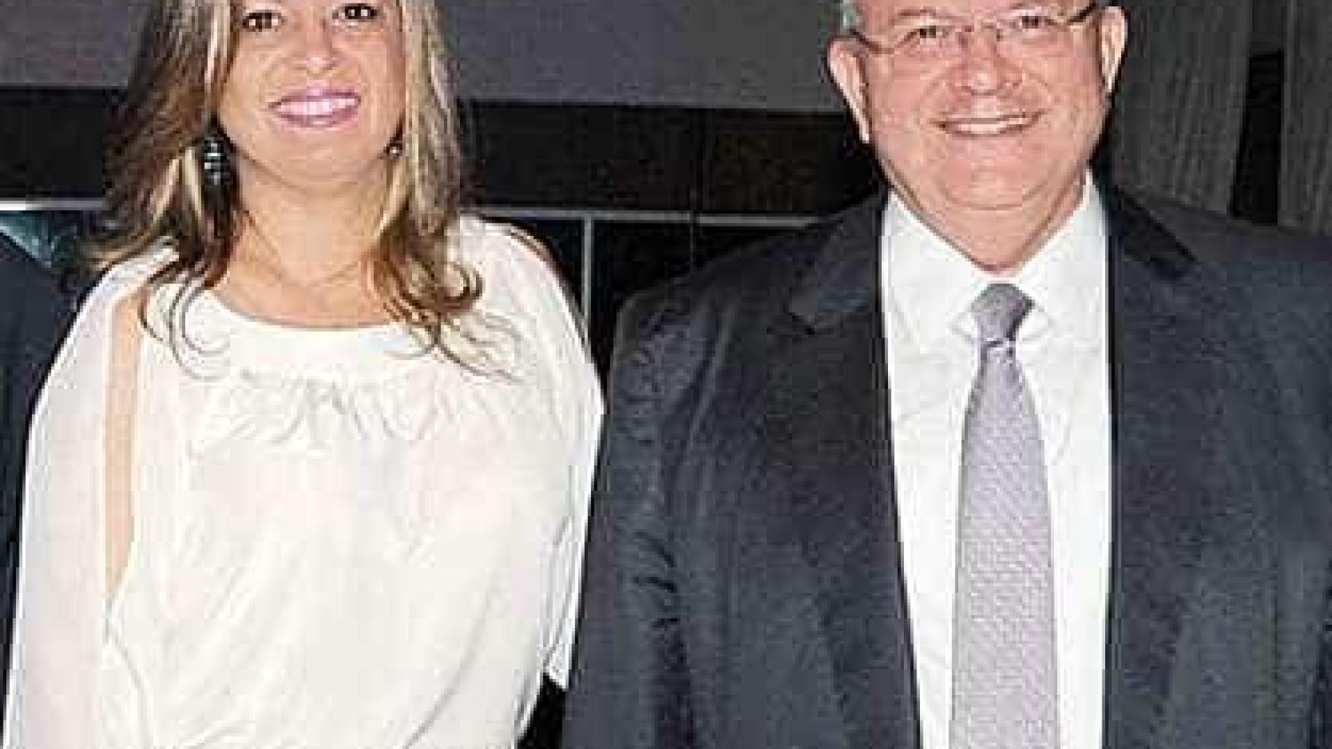 Mulher de embaixador teria oferecido R$ 80 mil para matar marido
