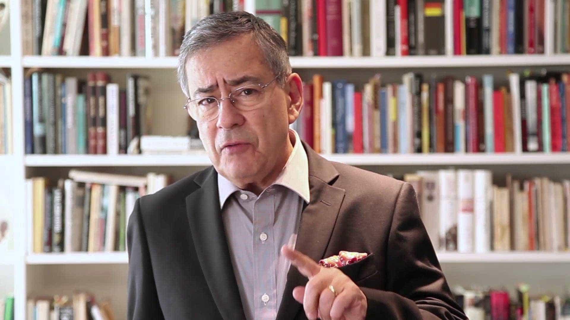 Paulo Henrique Amorim debocha do 'JN' e xinga a família Marinho