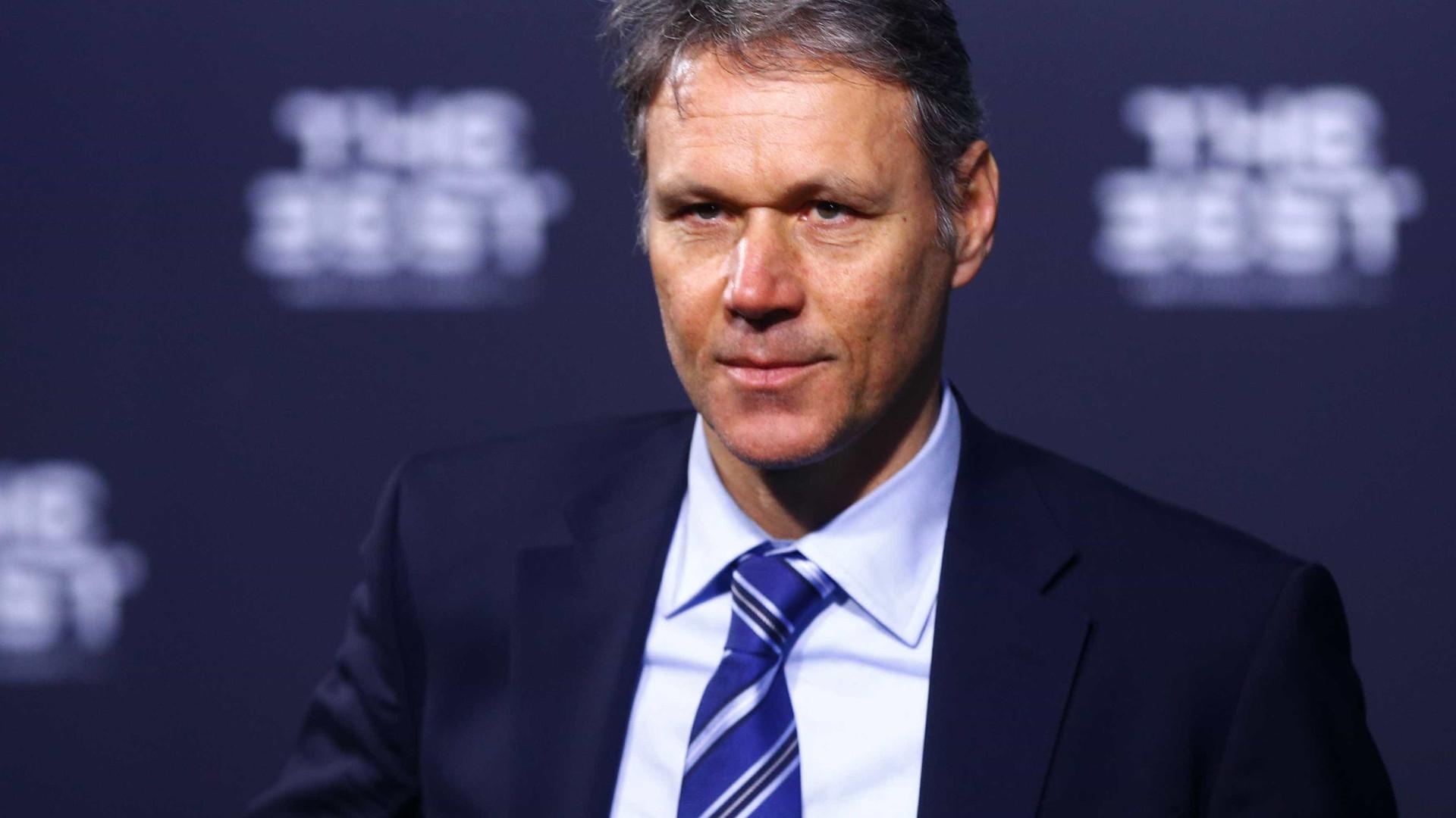 Dirigente da Fifa quer fim de pênalti, impedimento e cartão amarelo