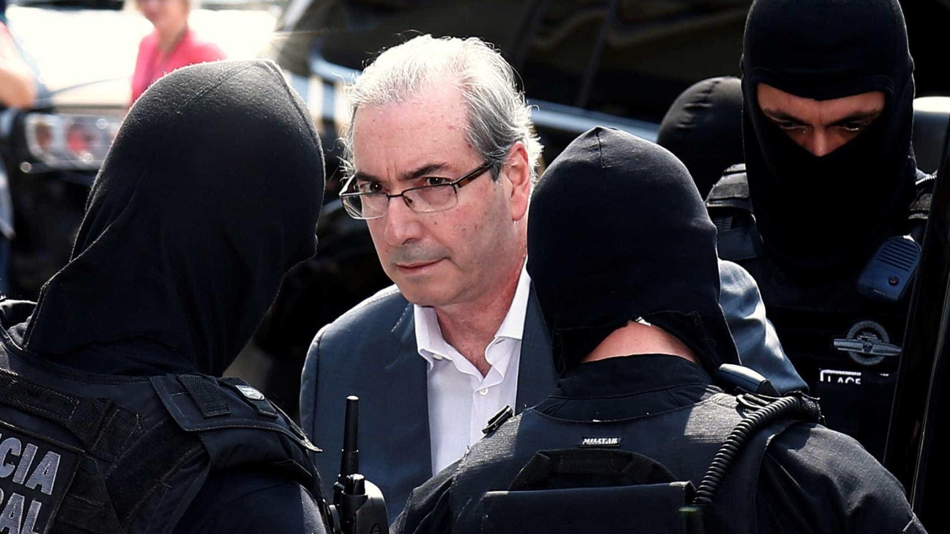 Da cadeia, Cunha reclama de desunião do centrão em disputa na Câmara