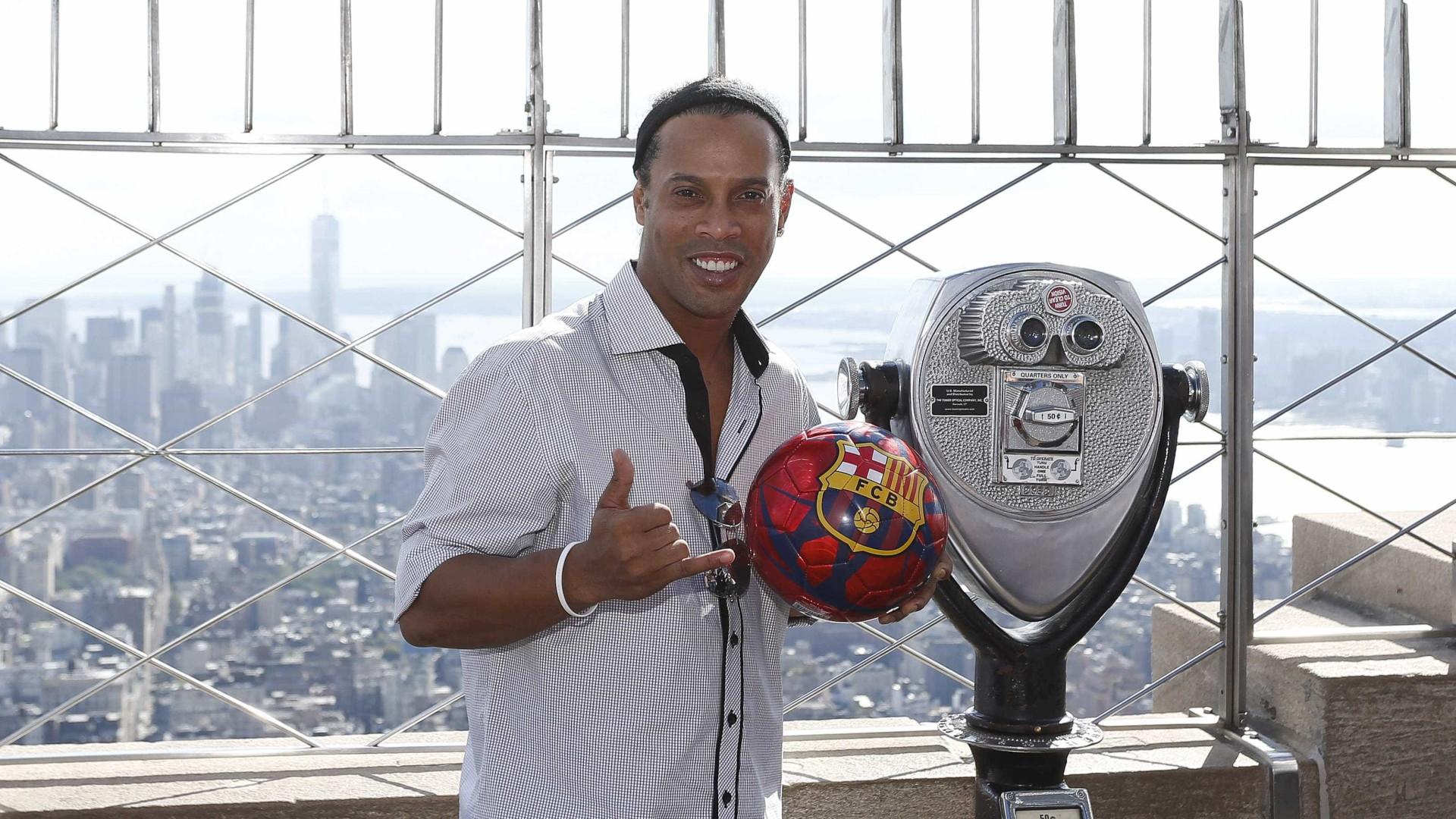 Ronaldinho Gaúcho sugere 'viajar pelo mundo'  em 2017