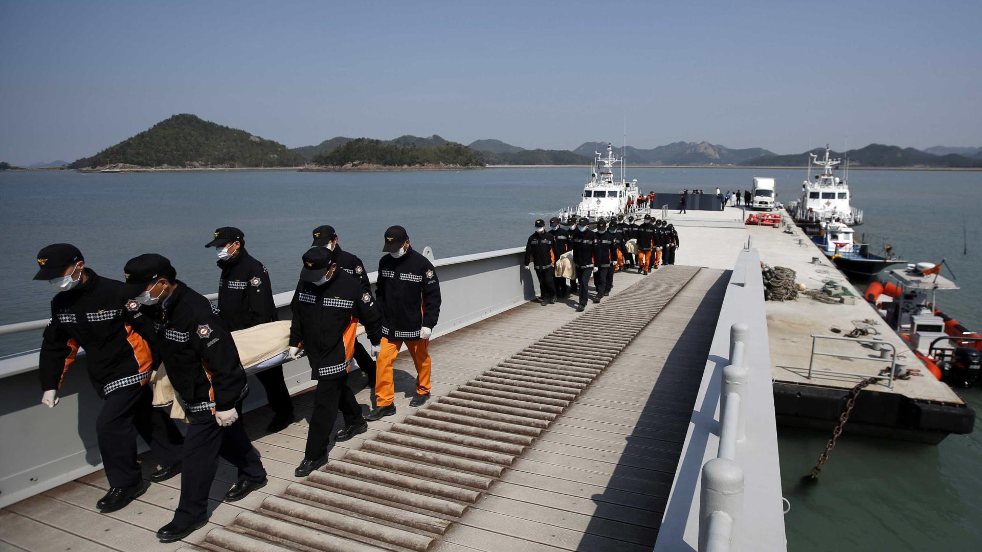 Balsa naufragada em 2014 é resgatada  na Coreia do Sul