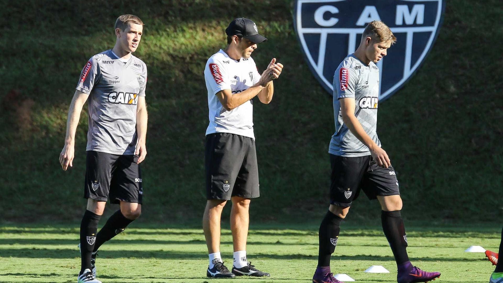 Adilson poderá estrear pelo Atlético Mineiro neste domingo