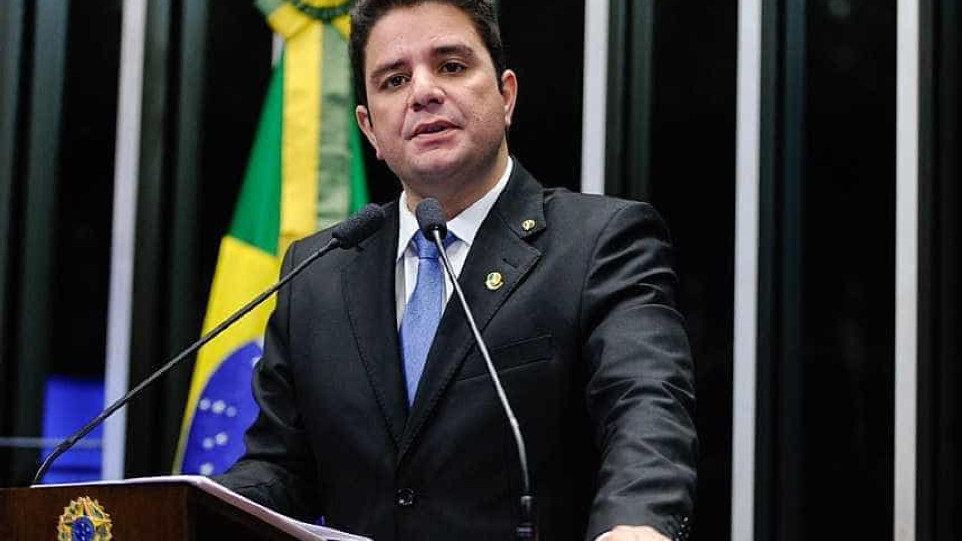 Petista é condenado a pagar R$ 30 mil em danos morais a senador