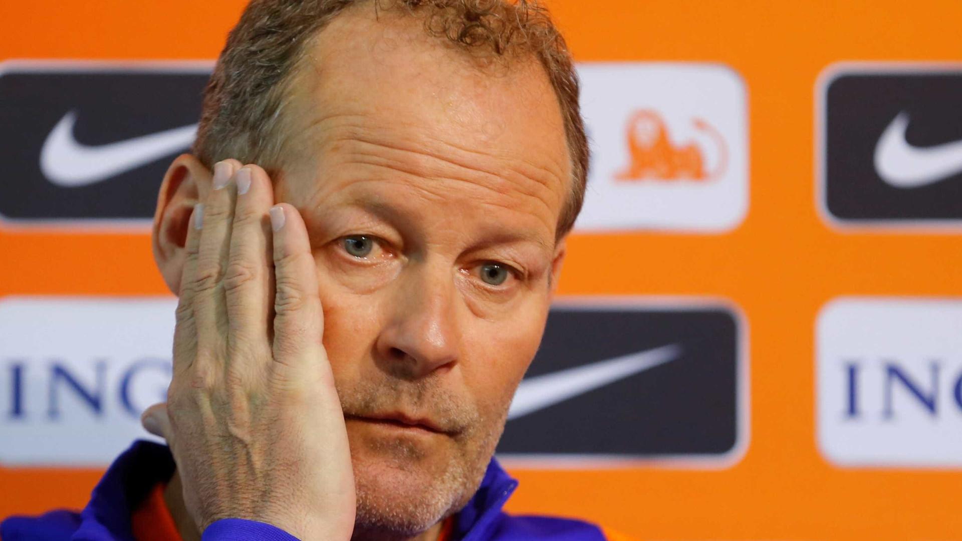 Holanda demite técnico Danny Blind após derrota para Bulgária