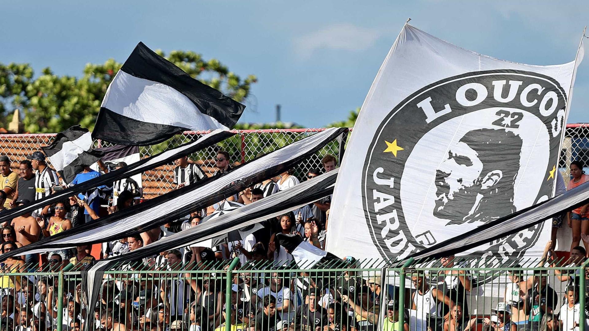 Em reencontro com Loco Abreu, Botafogo vence o Bangu por 2 a 0