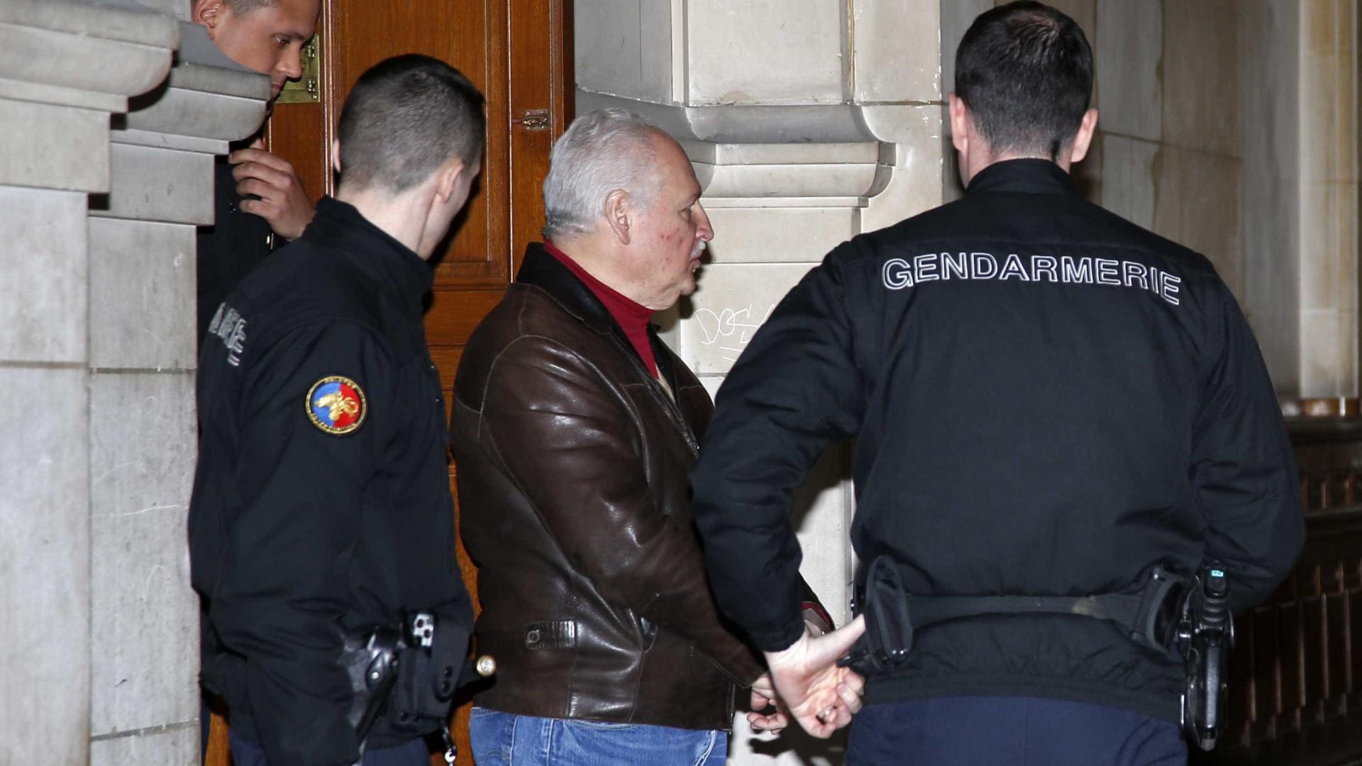 'Chacal' é condenado à prisão  perpétua por atentado em Paris