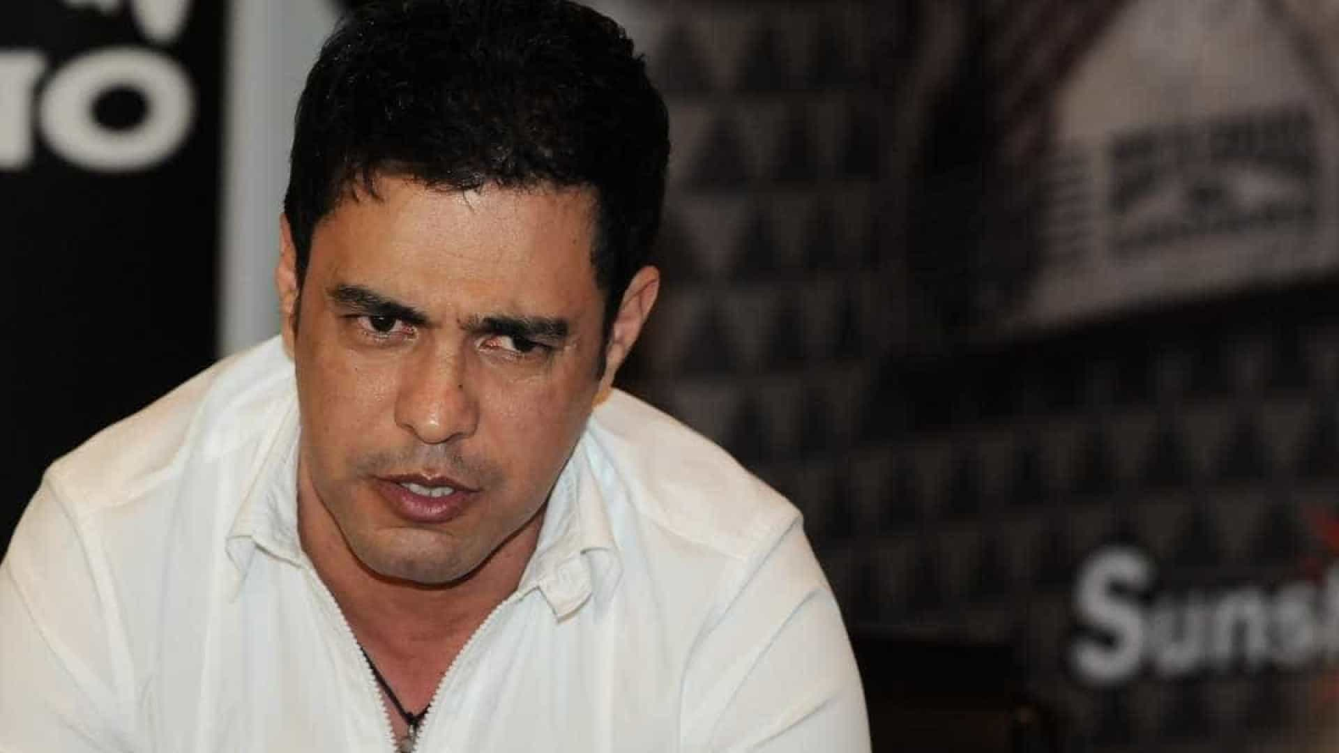 Justiça condena Zezé a pagar indenização para ex-motorista