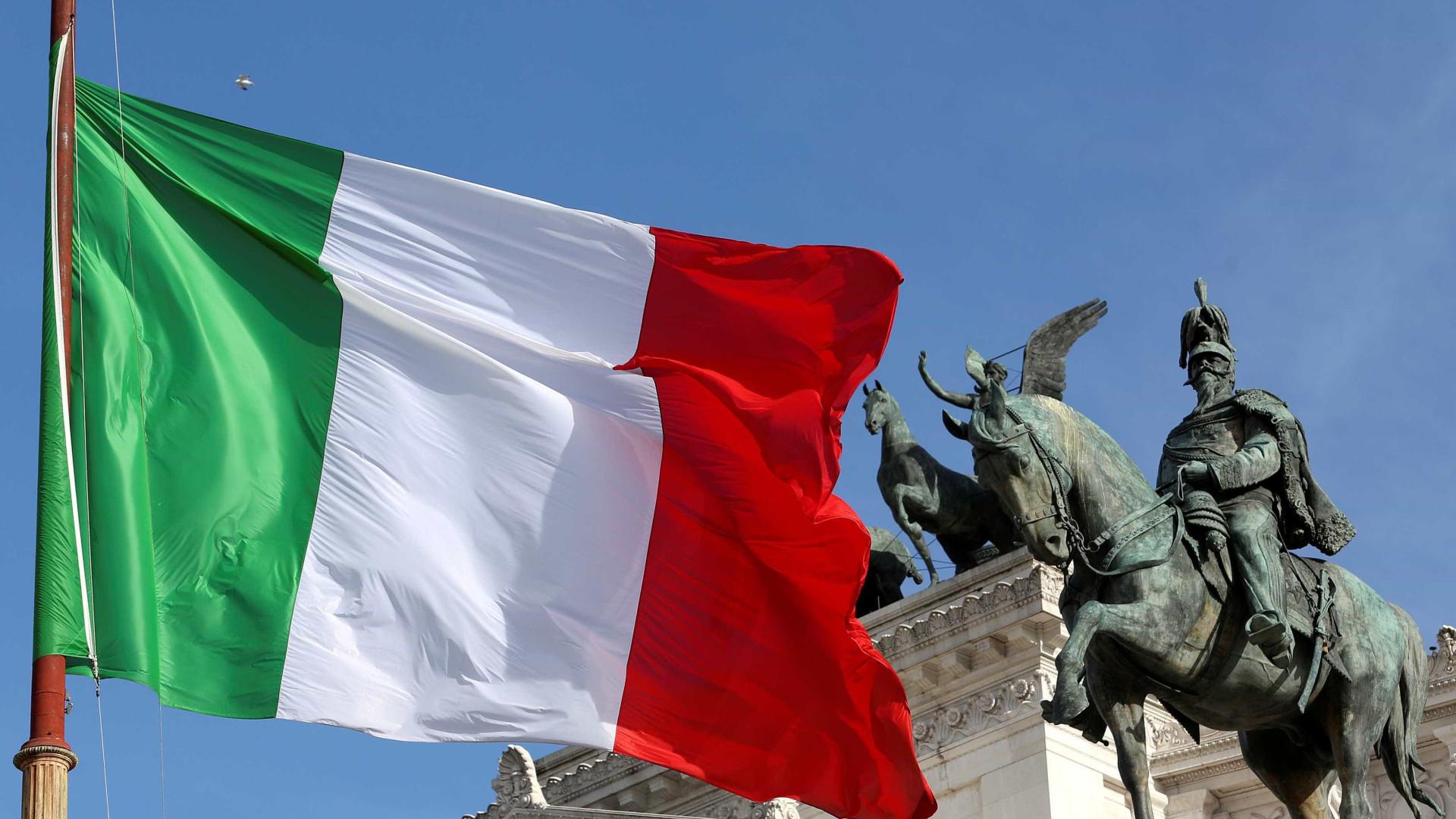 Itália aprova 'Bolsa Família' de 400 euros