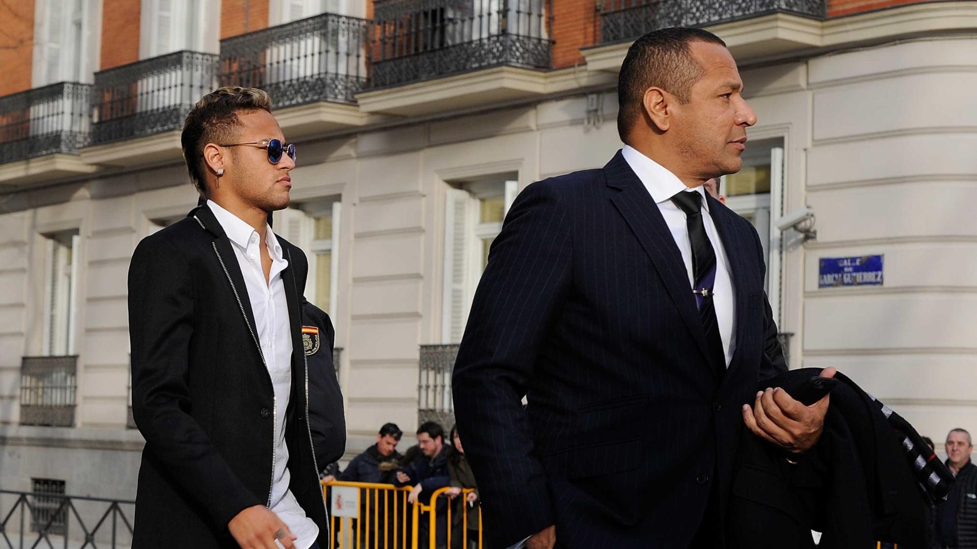 Pai de Neymar é chamado de 'vagabundo' por empresário do grupo DIS