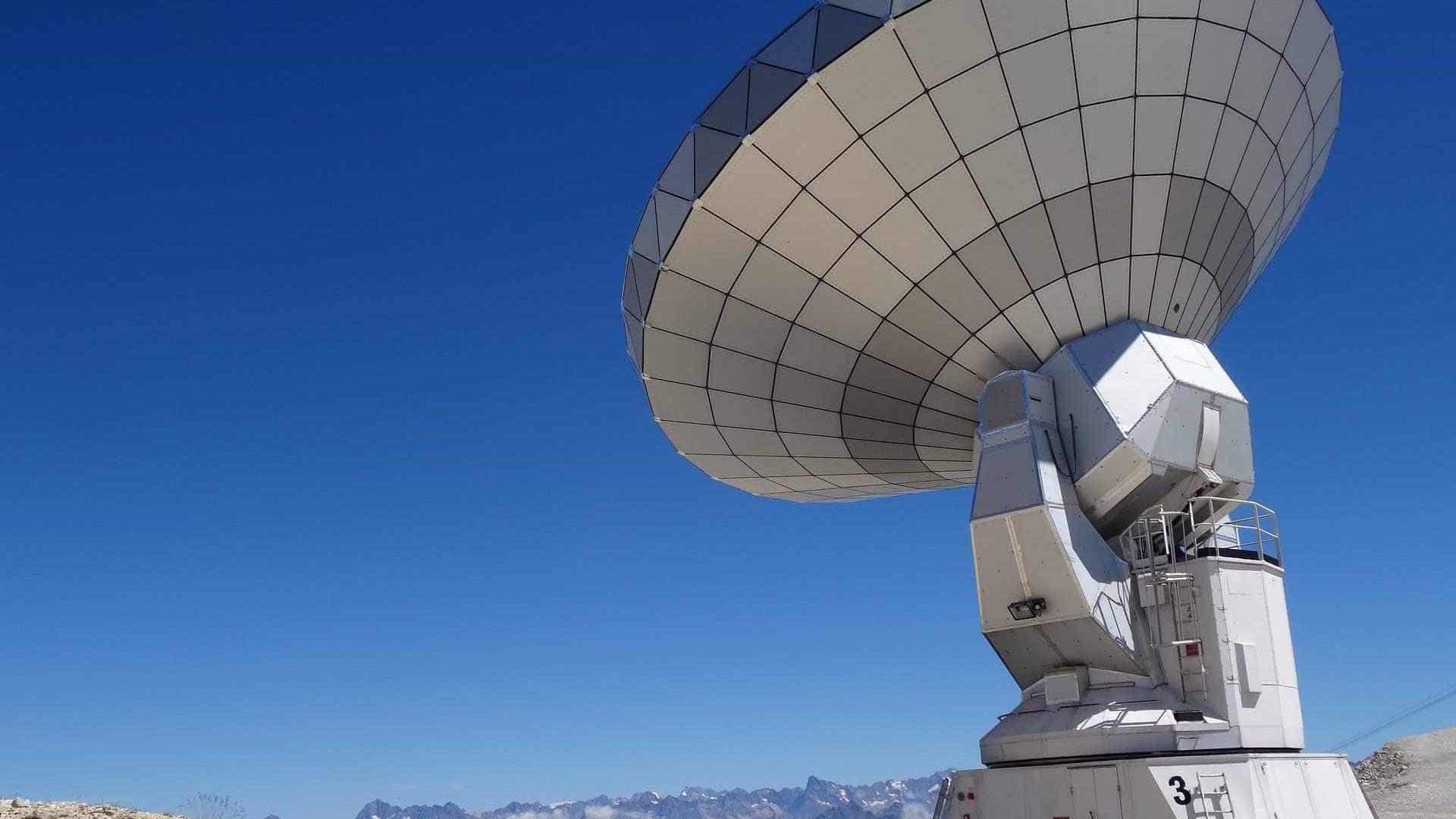 """Radiotelescópio feito no Brasil ajudará estudo sobre """"energia escura"""""""