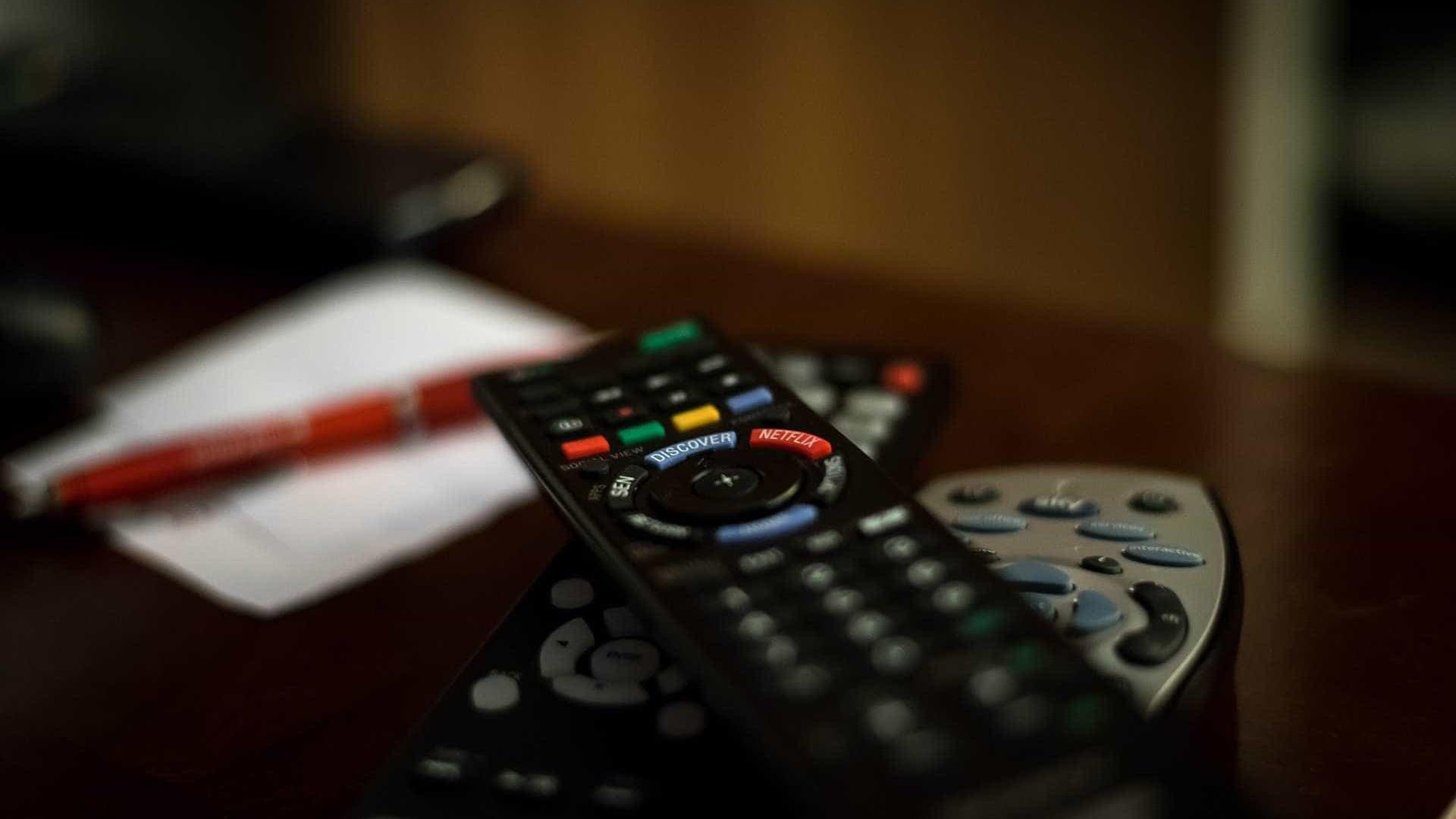País registrou queda no número de  celulares e de TV por assinatura