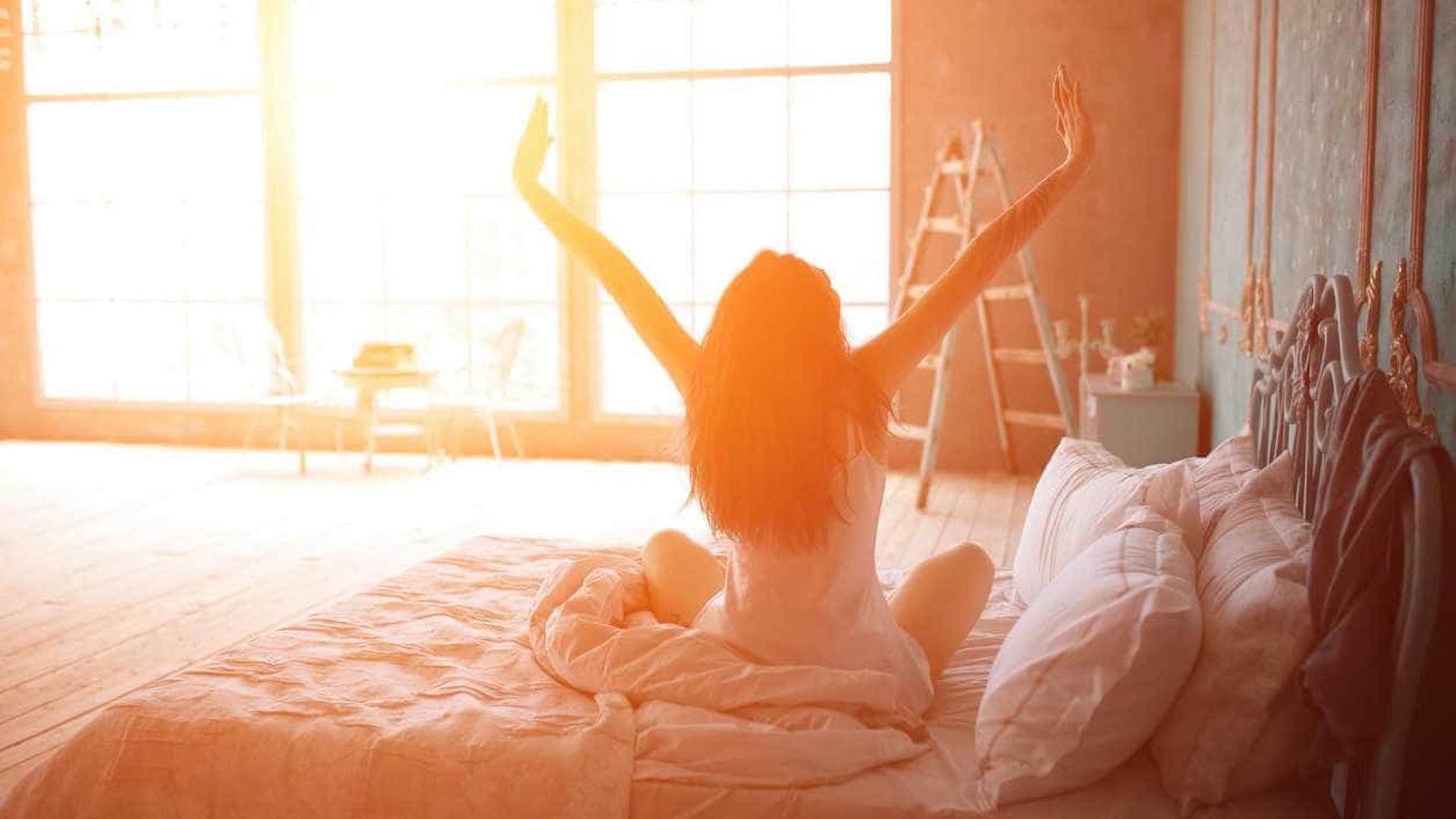 Especialistas listam sete passos que se deve fazer ao acordar