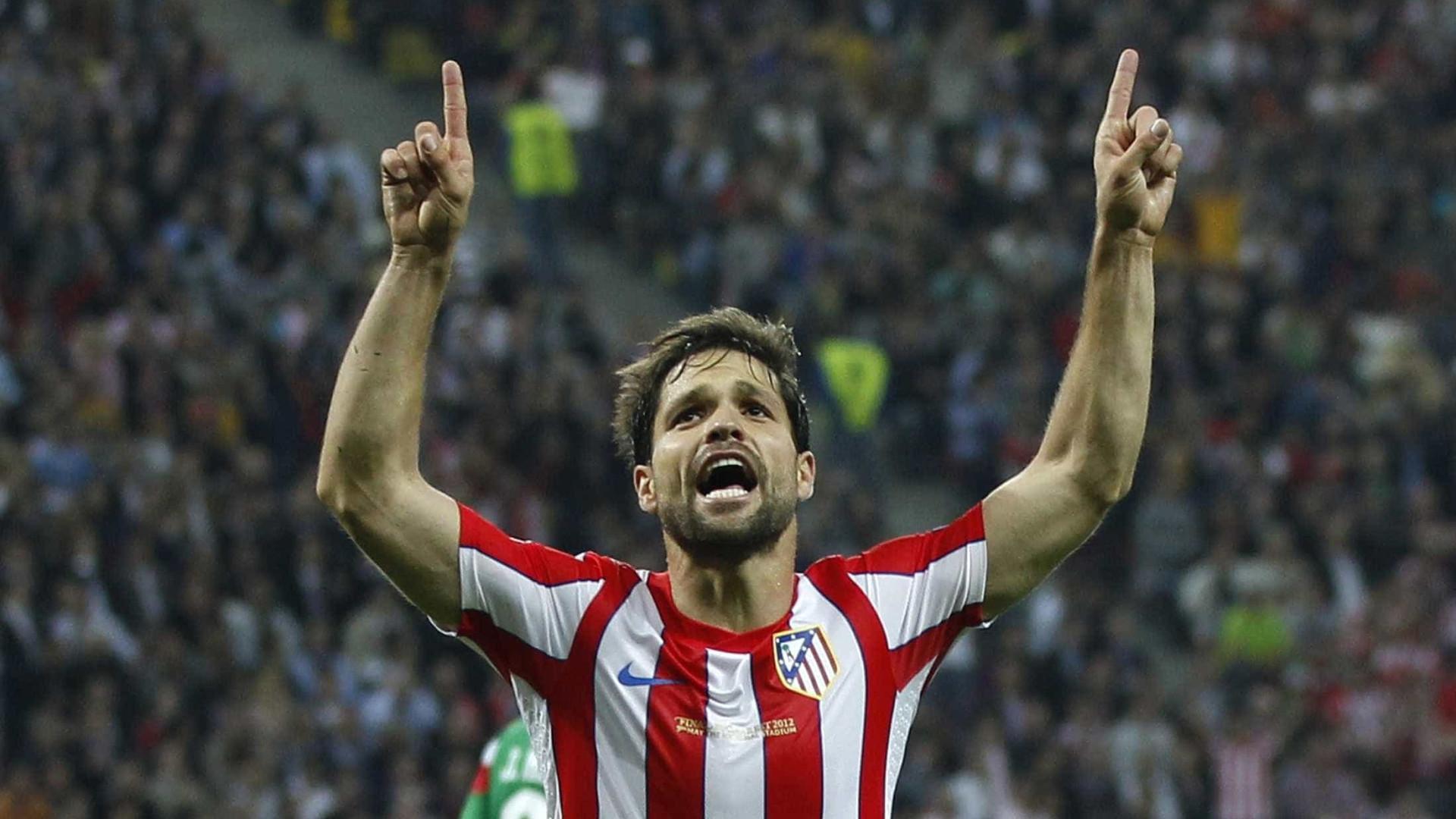 Diego faz homenagem ao Atlético de Madrid, que completa 114 anos