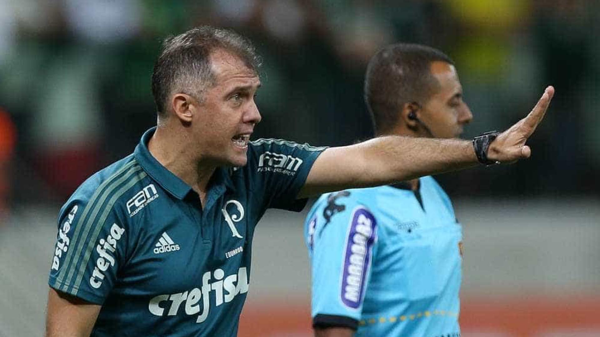 Técnico do Palmeiras se exalta e diz que foi ofendido 'como homem'