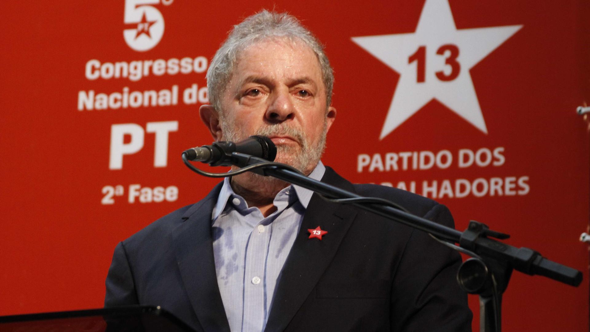 Eventual volta de Lula em 2018 é 'dor de cabeça' para Temer, diz FT