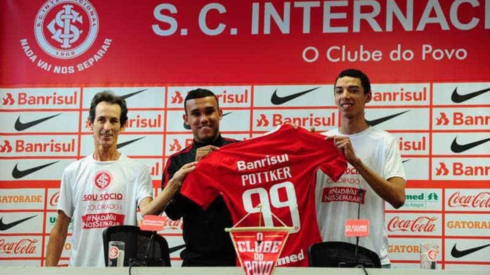 Pottker faz primeiro treino e Zago indica Inter com Fabinho e Cirino