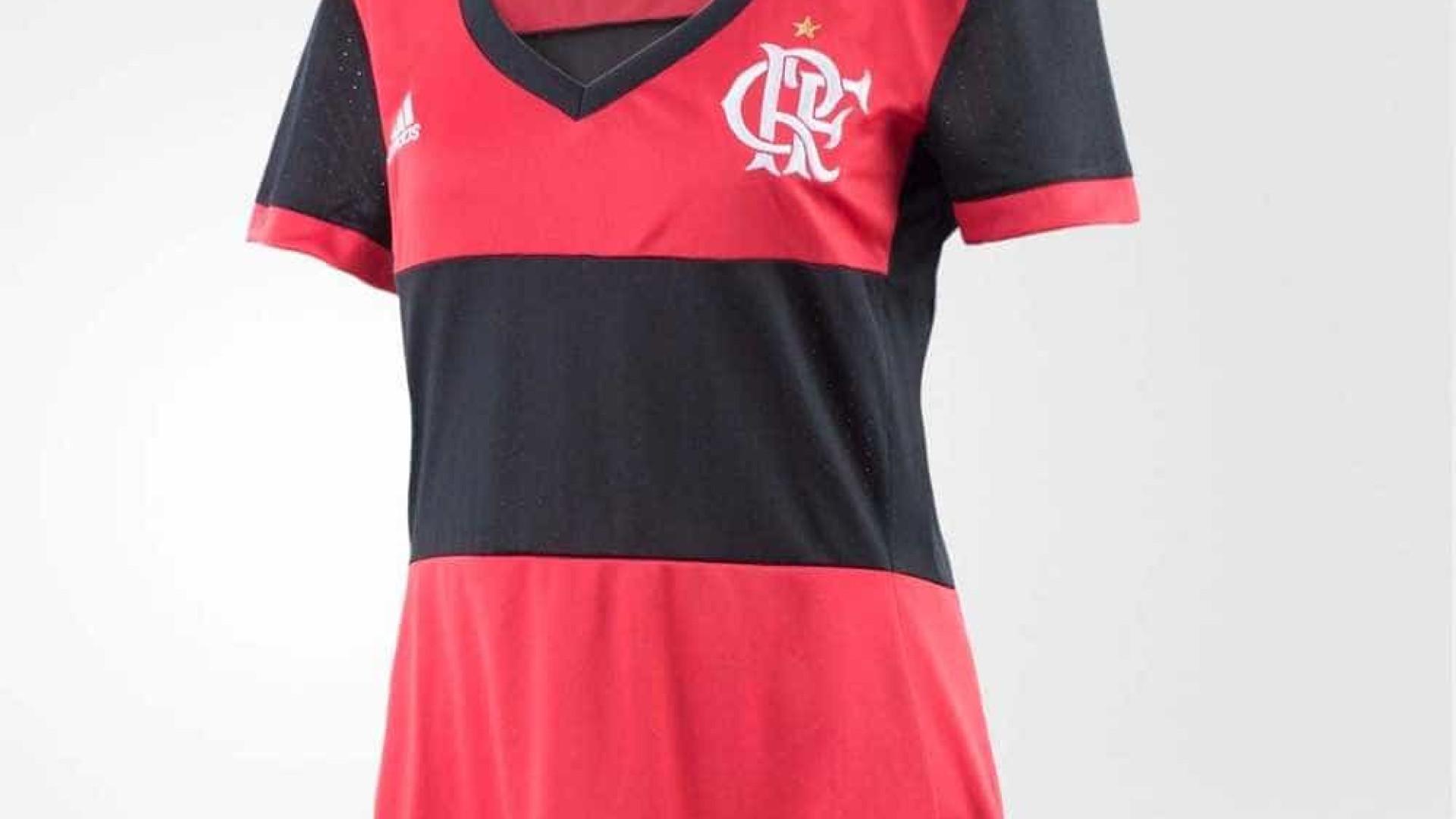 a300b2bf74 Flamengo lança camisa feminina, mas decote gera nova 'polêmica'