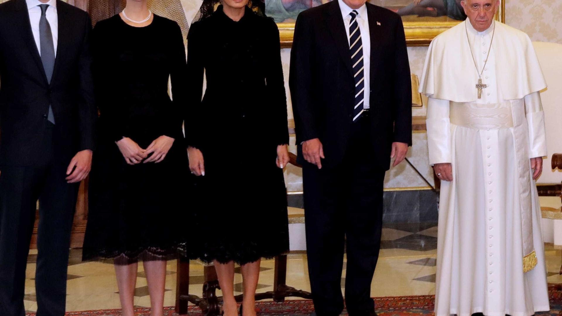 Look de Melanie e Ivanka Trump chama a atenção em visita ao Papa