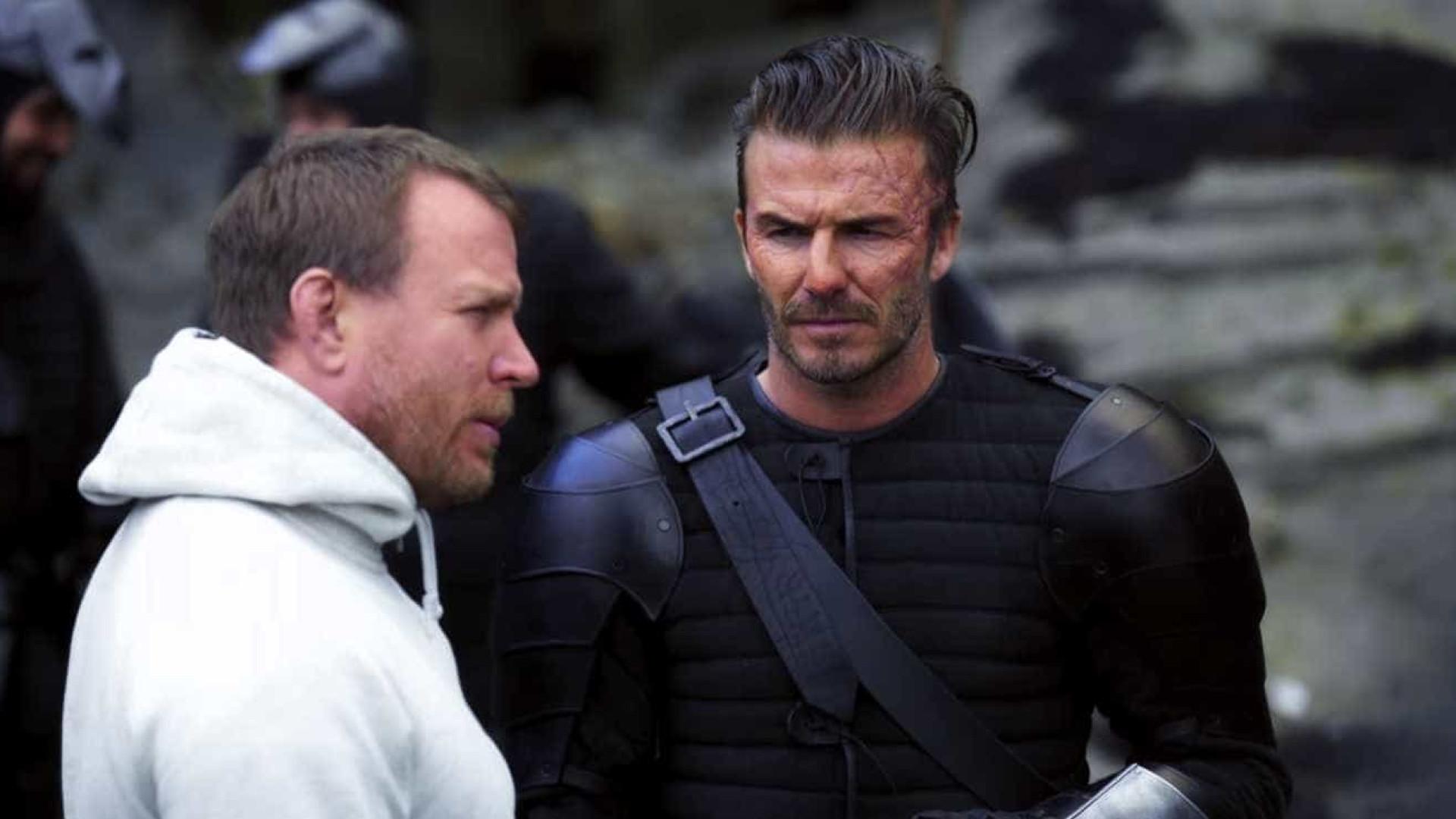 """Veja a transformação de Beckham para o filme """"Rei Arthur""""; vídeo"""