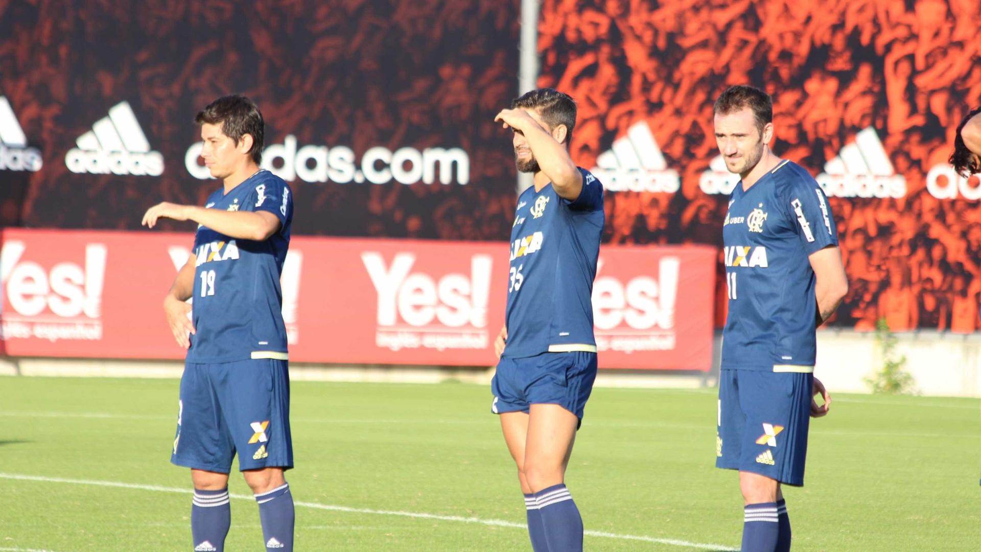 Diego e Conca podem ser testados pelo Flamengo em jogo-treino