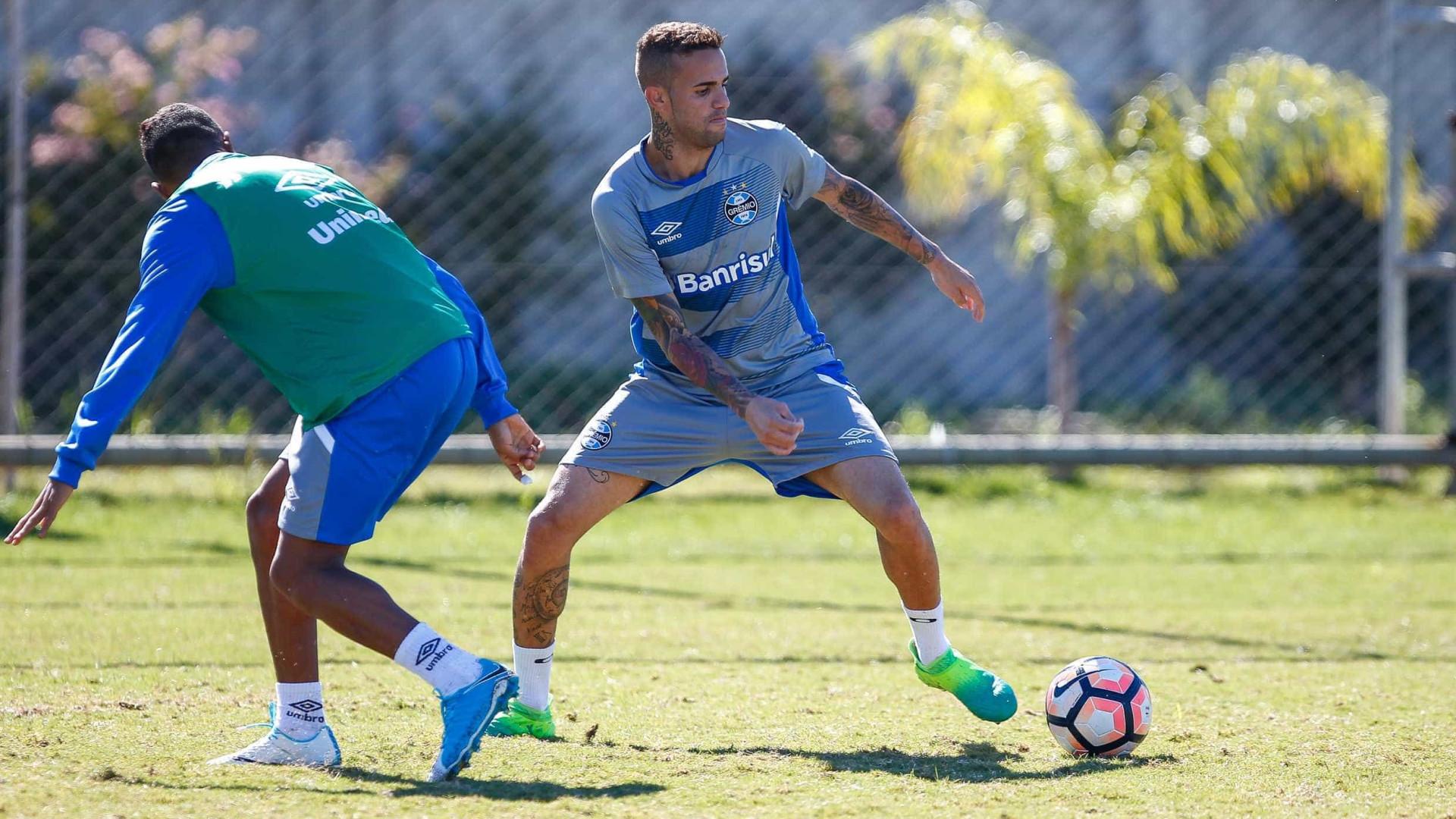 Luan, do Grêmio, tem carro apreendido por falta de licenciamento e CNH