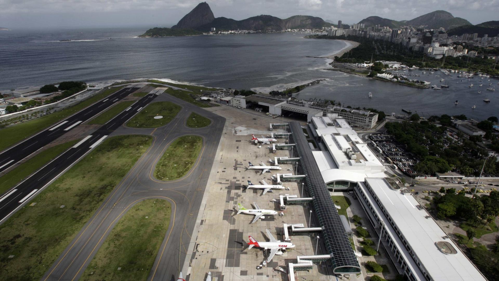 Nevoeiro fecha aeroporto Santos Dumont