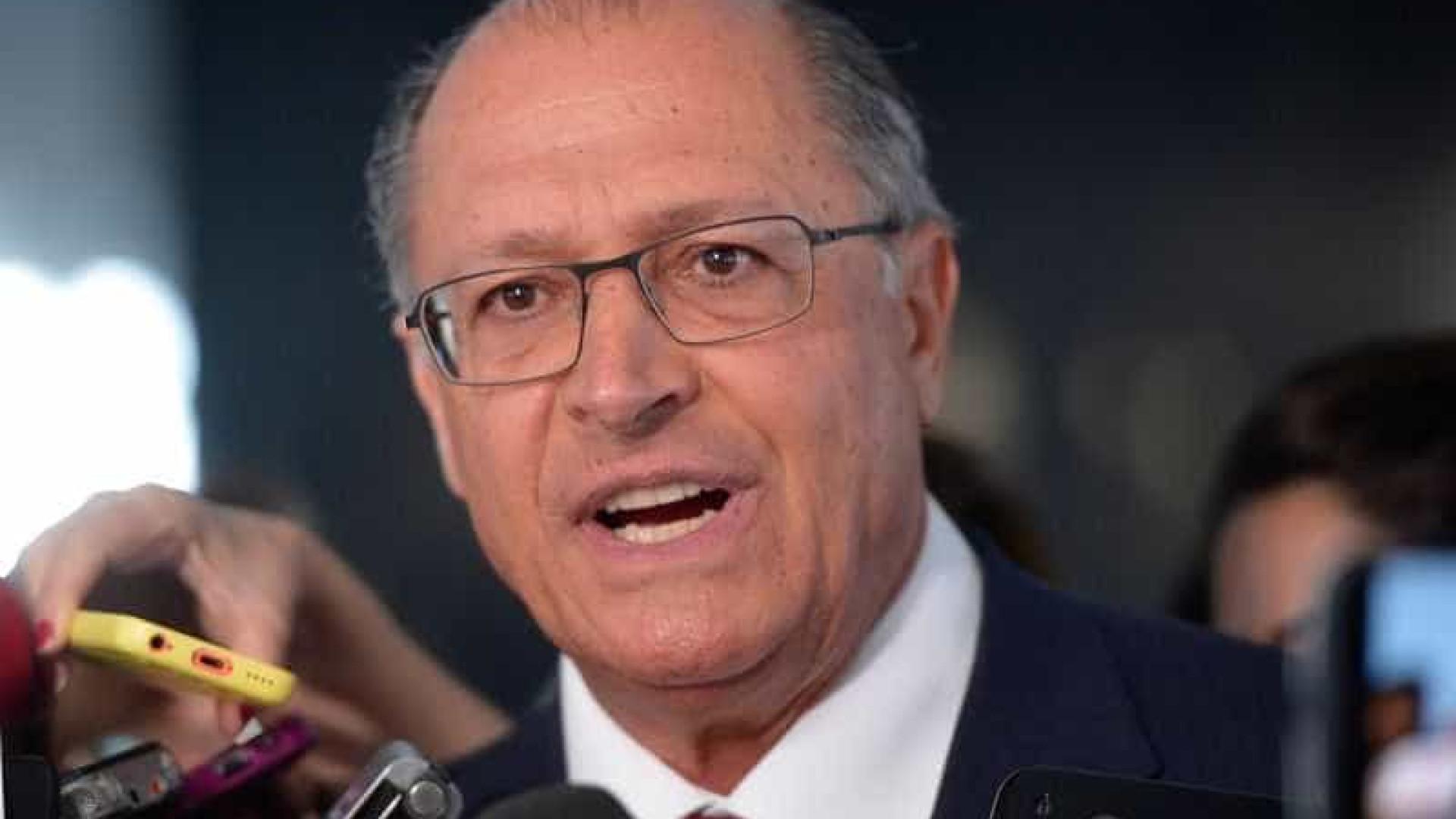Acordo para eleições indiretas não está na agenda hoje, diz Alckmin