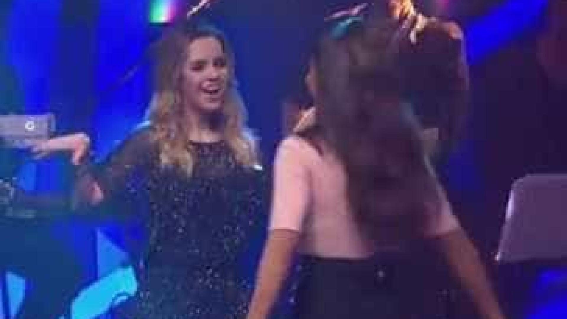 Sandy dança 'Bang' com Anitta e enlouquece internautas