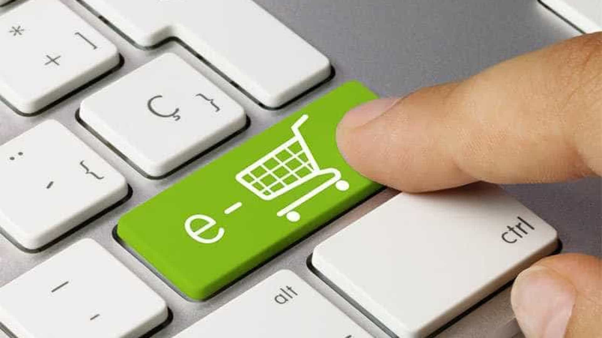 43 dos internautas fizeram mais compras online este ano for Compra online mobili