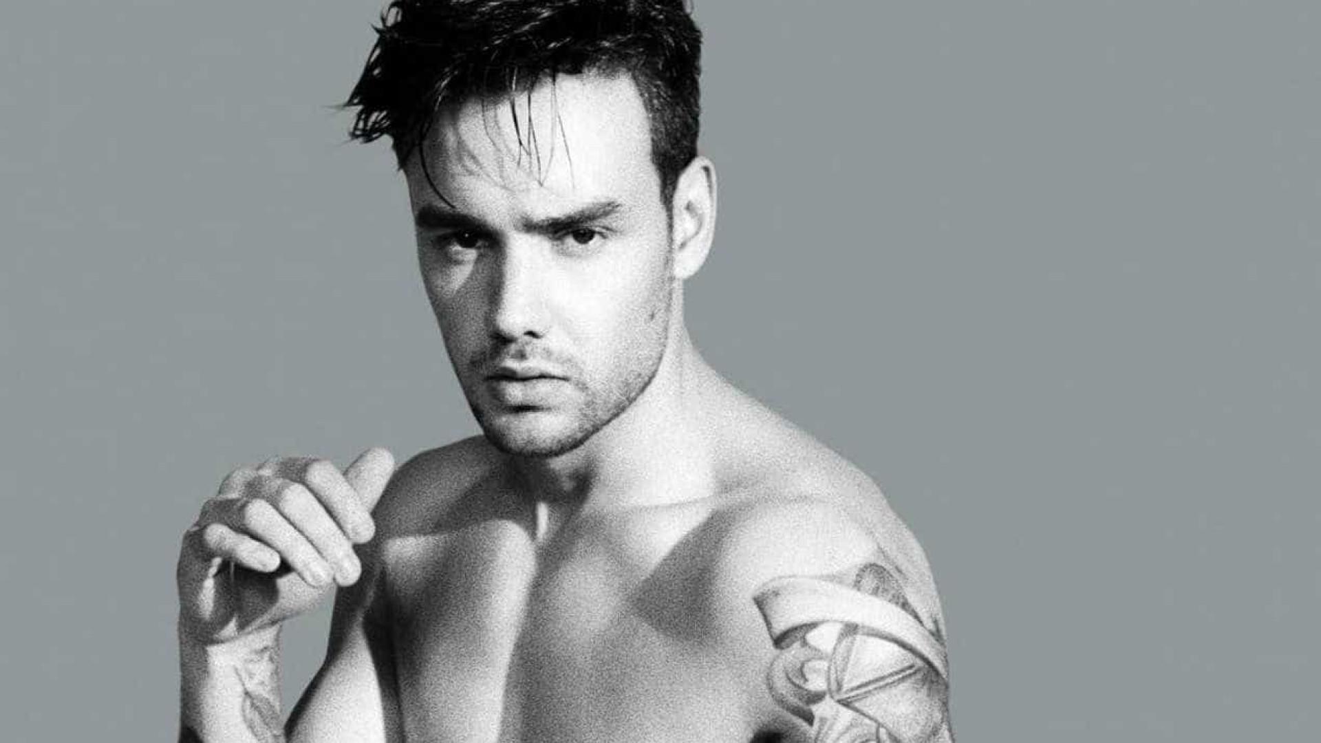 Liam Payne, ex-One Direction, exibe músculos em rede social