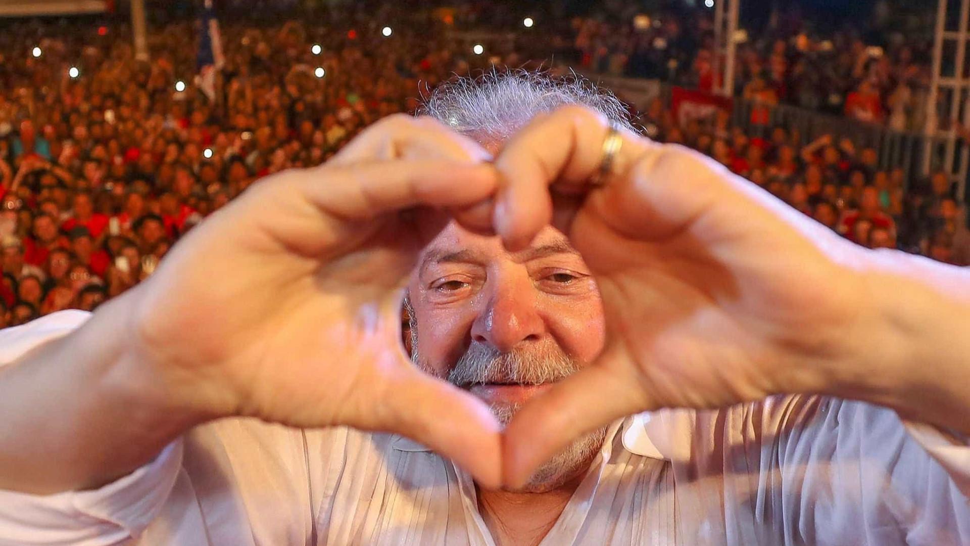 Lula lidera pesquisa para Presidência em todos os cenários