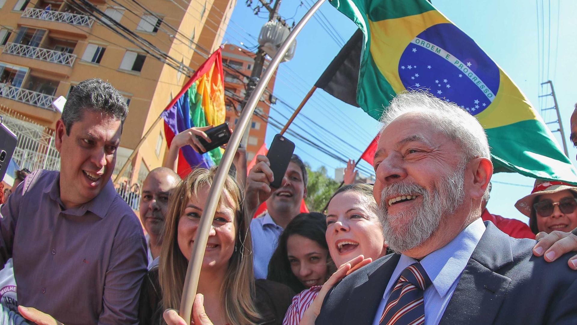 Lula influencia metade de eleitores de baixa renda e menor escolaridade