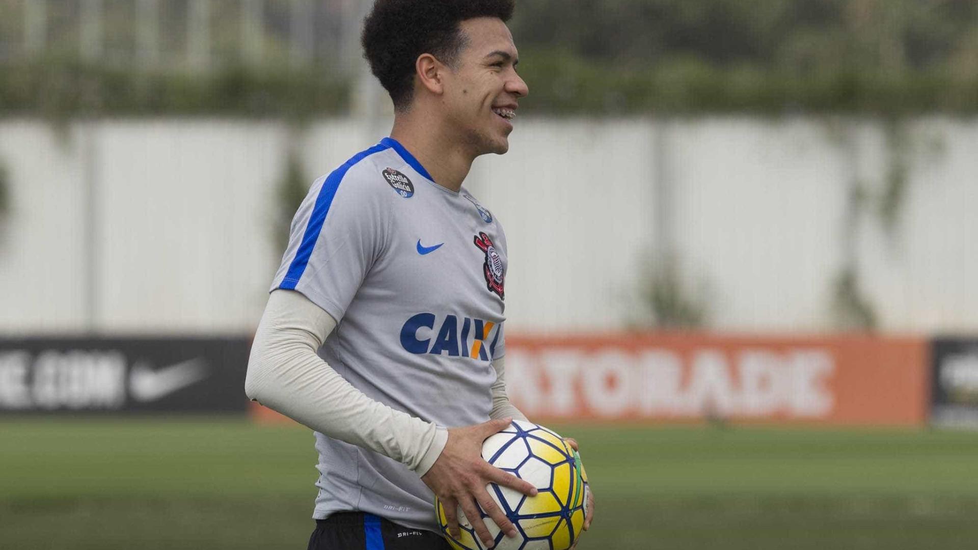 Marquinhos Gabriel sente lesão e está fora do jogo contra a Ponte